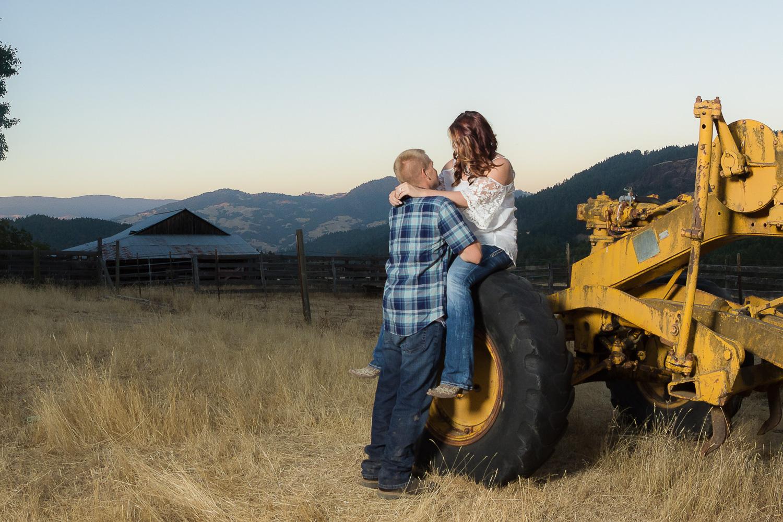 Thomas&Jessika-RanchEngagementSession-HumboldtCounty-Parky'sPics-21.jpg