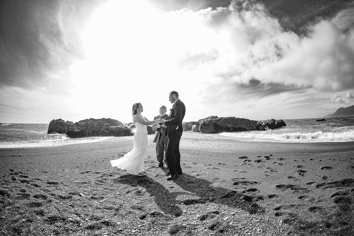 Shelter Cove-Intimate Destination beach Wedding-Parky's Pics Photography-Humboldt County_-9.jpg