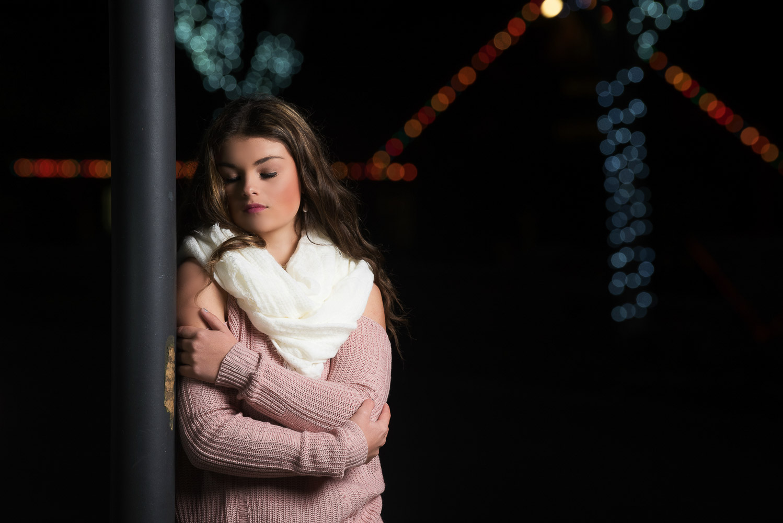Shelby-NighttimeChristmasShoot-Scotia-Parky'sPics-20.jpg