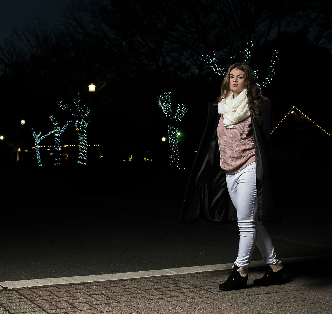 Shelby-NighttimeChristmasShoot-Scotia-Parky'sPics-25.jpg