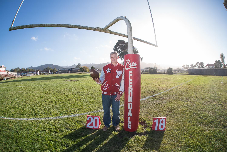 AndrewFerndaleHighSchoolFootballSeniorSessionParkysPicsPhotograhy-2.jpg