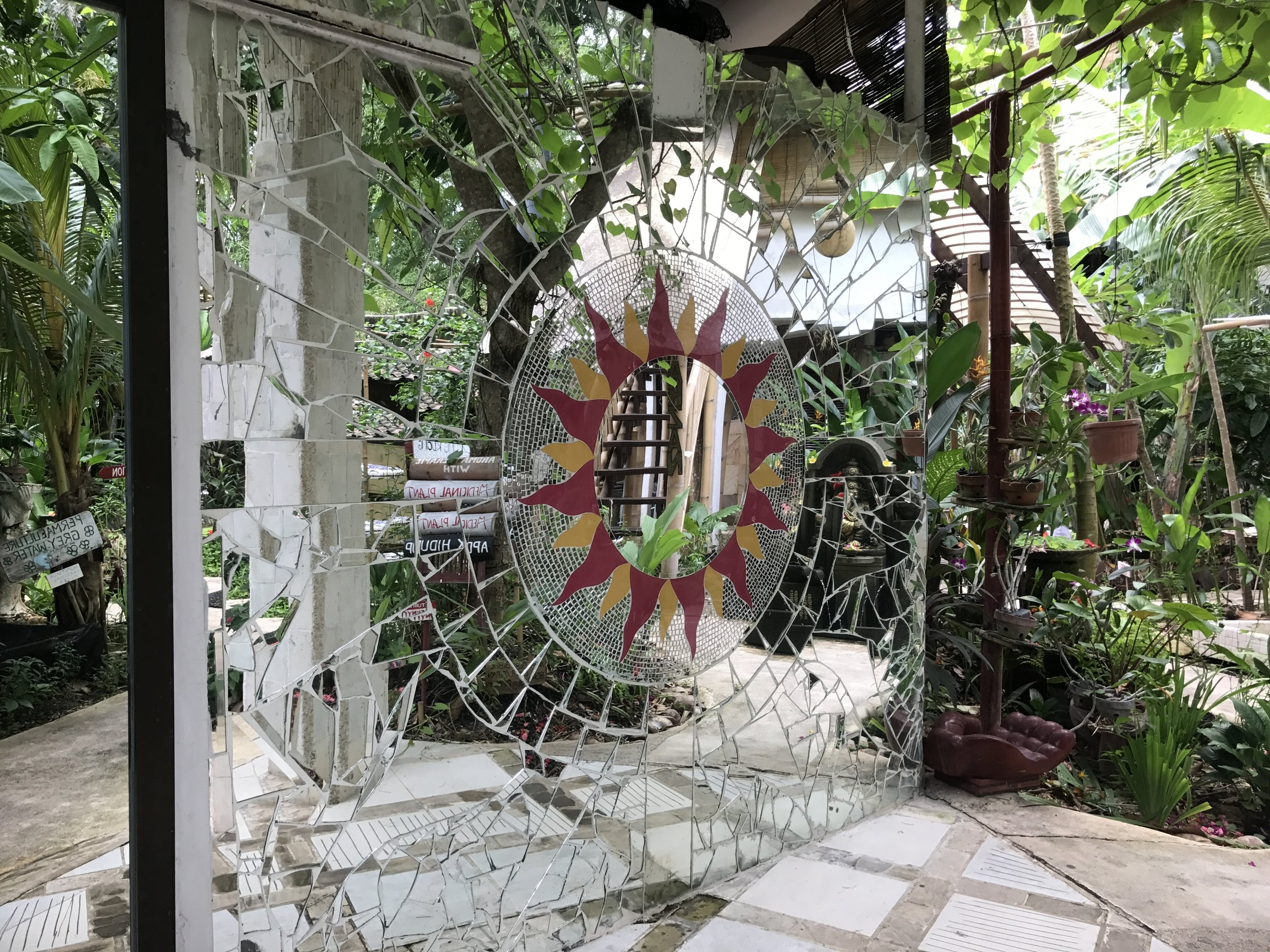 Serenity Eco Guesthouse_Mosaic of Broken Glass