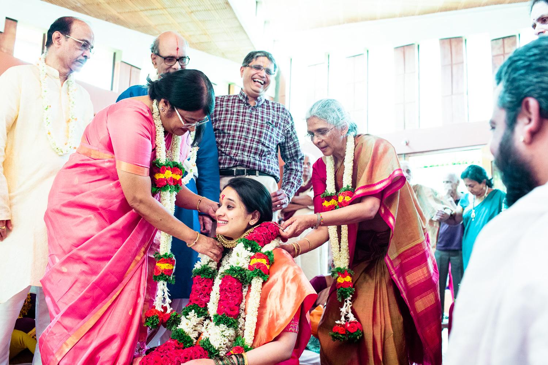 tamil-telugu-candid-wedding-bangalore-0026.jpg