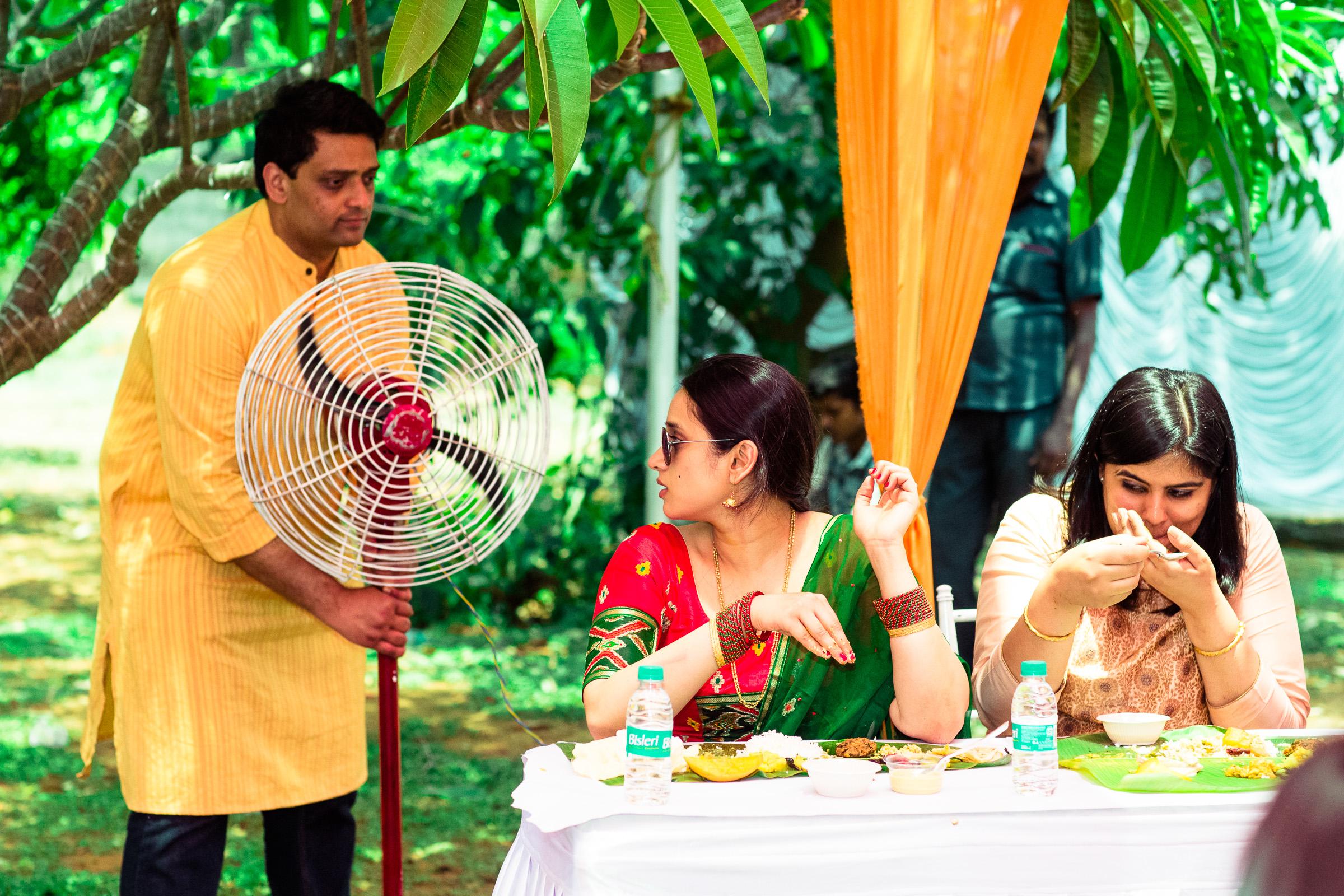 tamil-telugu-candid-wedding-bangalore-0046.jpg