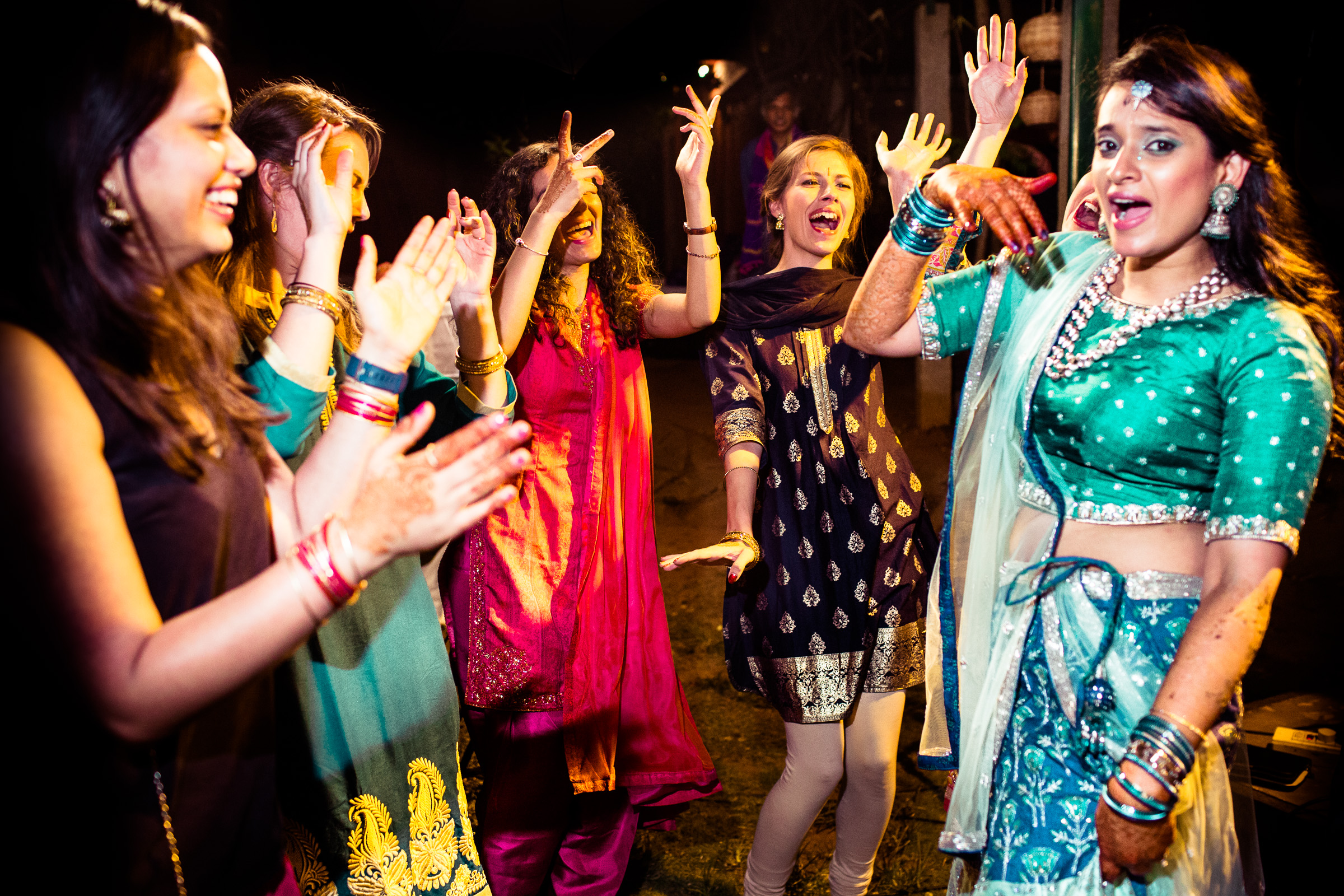 tamil-telugu-candid-wedding-bangalore-0059.jpg