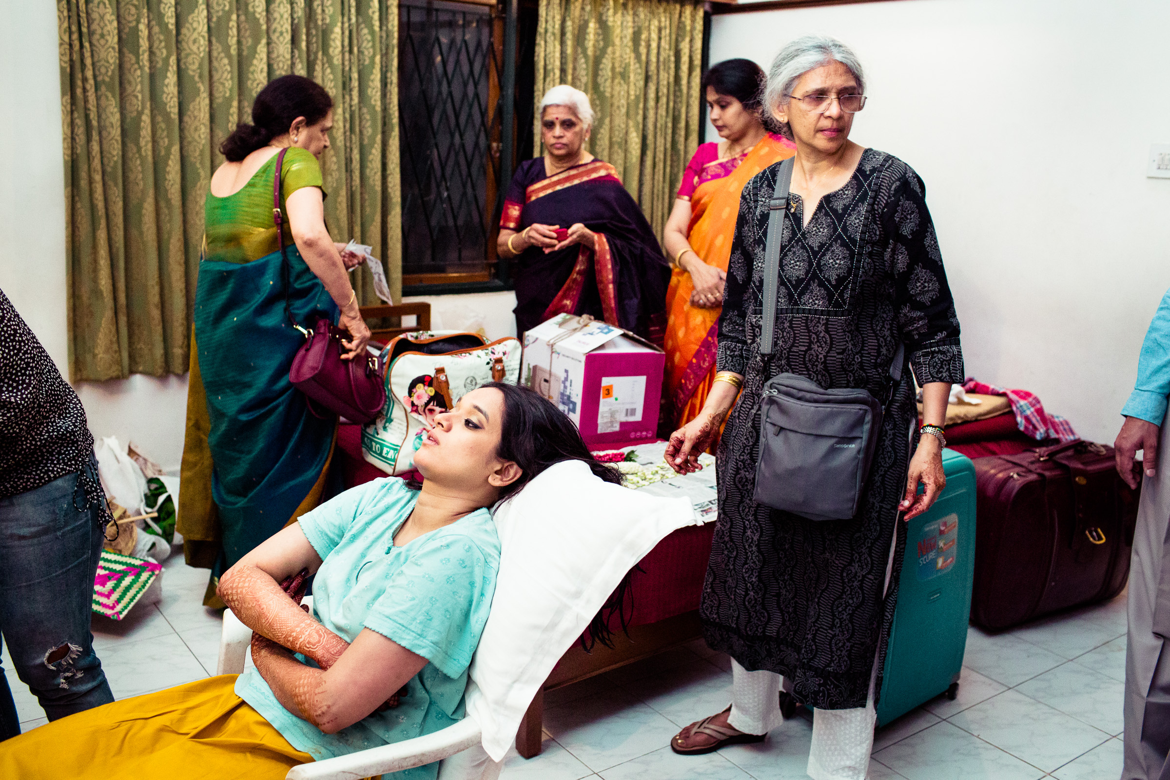 tamil-telugu-candid-wedding-bangalore-0095.jpg