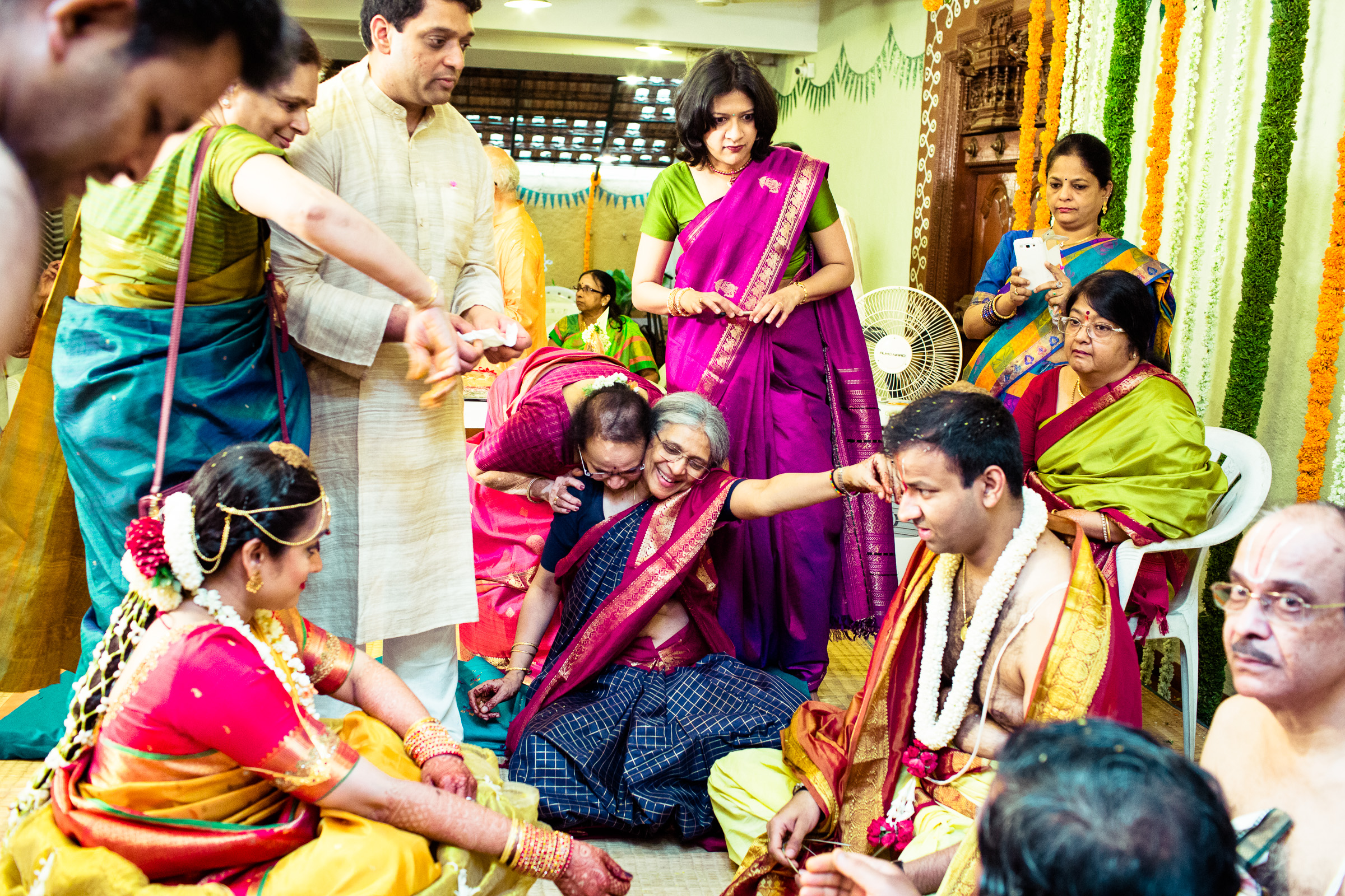 tamil-telugu-candid-wedding-bangalore-0114.jpg