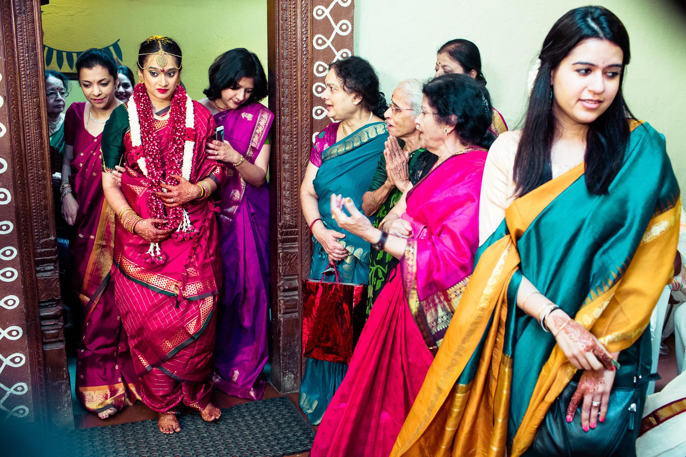 tamil-telugu-candid-wedding-bangalore-0122.jpg