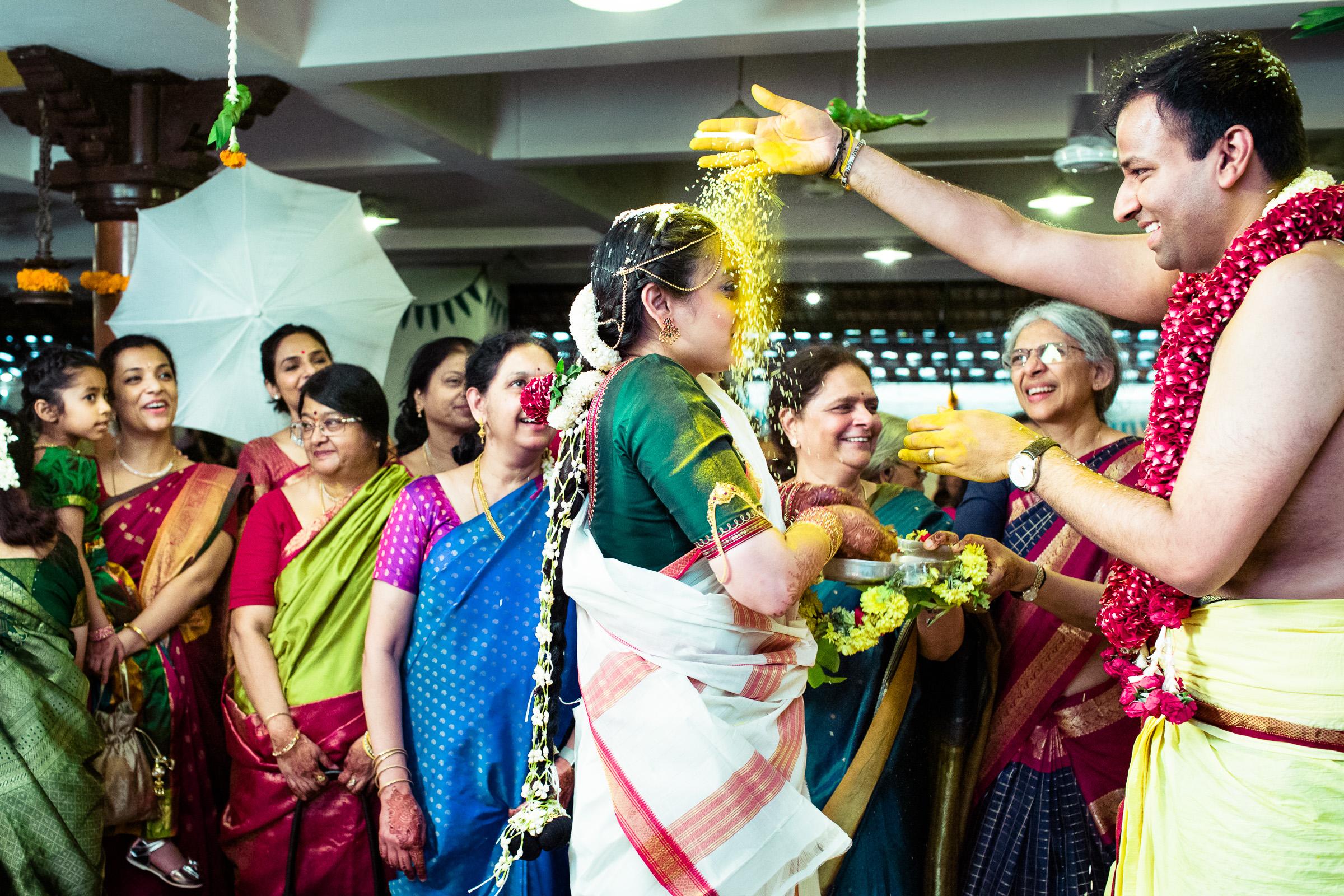 tamil-telugu-candid-wedding-bangalore-0139.jpg