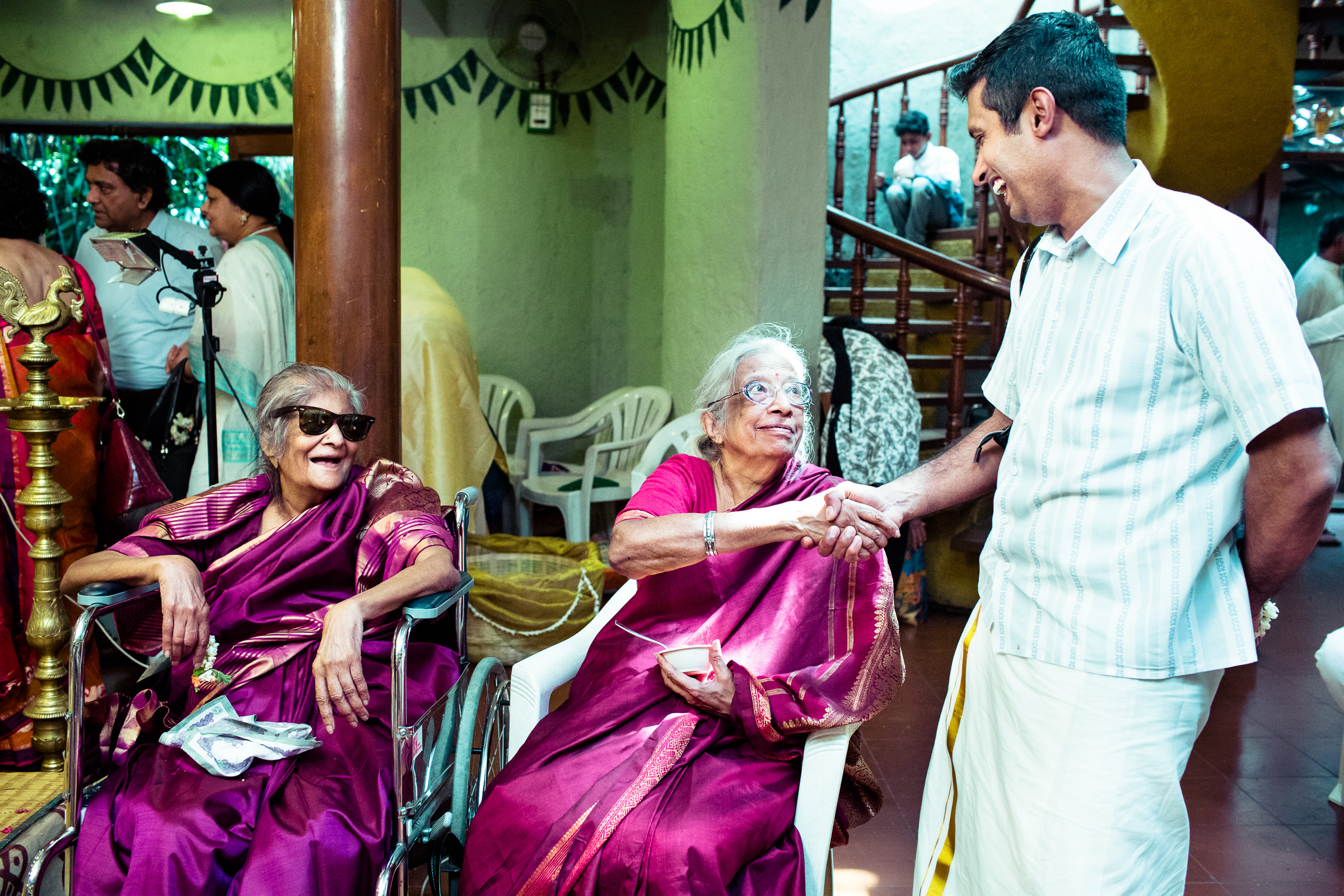 tamil-telugu-candid-wedding-bangalore-0142.jpg