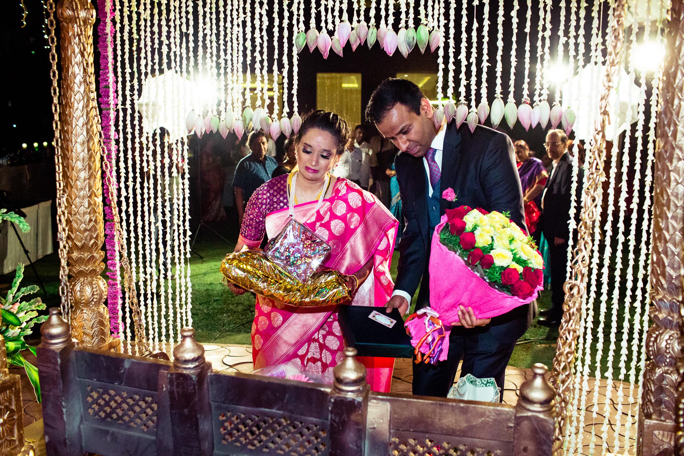 tamil-telugu-candid-wedding-bangalore-0164.jpg