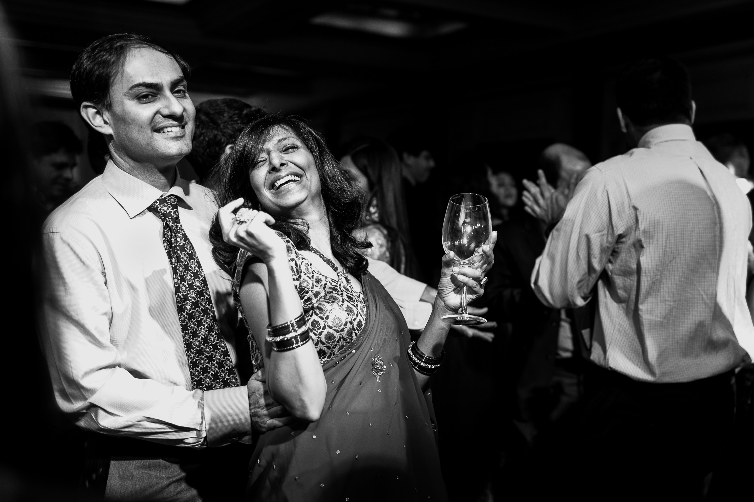 best-candid-wedding-photographer-delhi-0012.jpg