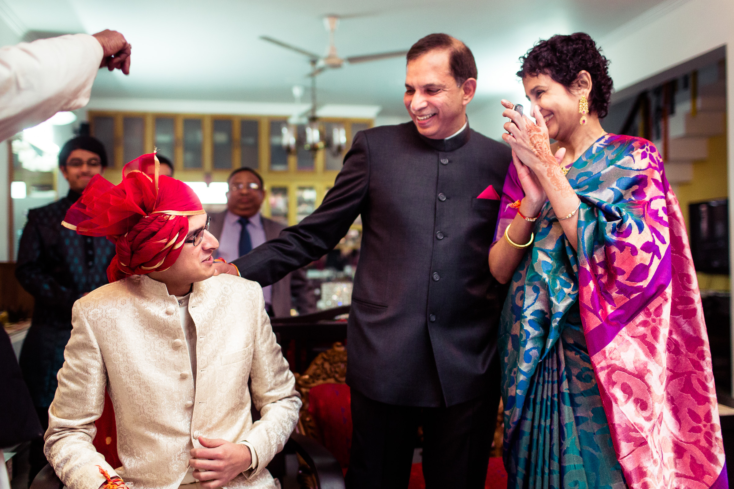 best-candid-wedding-photographer-delhi-0030.jpg