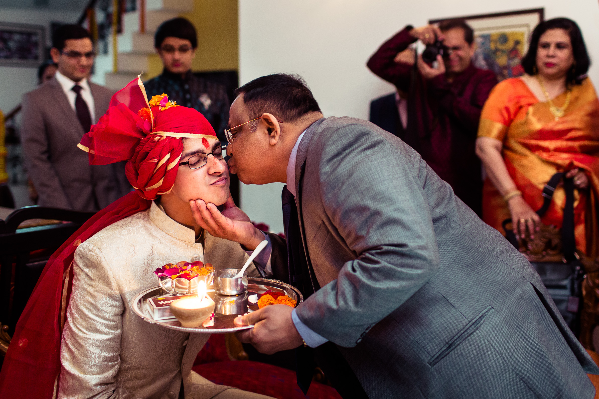 best-candid-wedding-photographer-delhi-0031.jpg