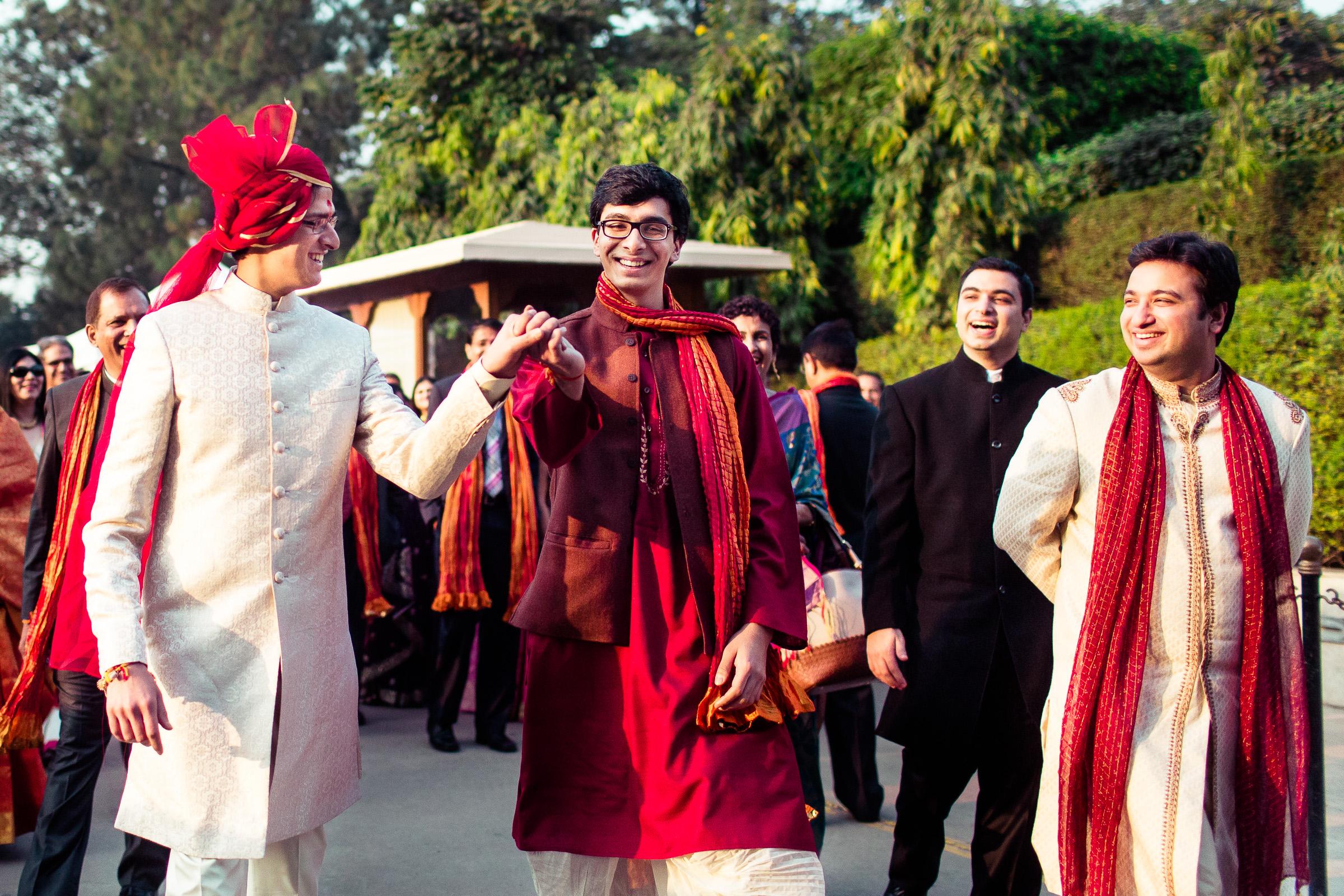 best-candid-wedding-photographer-delhi-0039.jpg