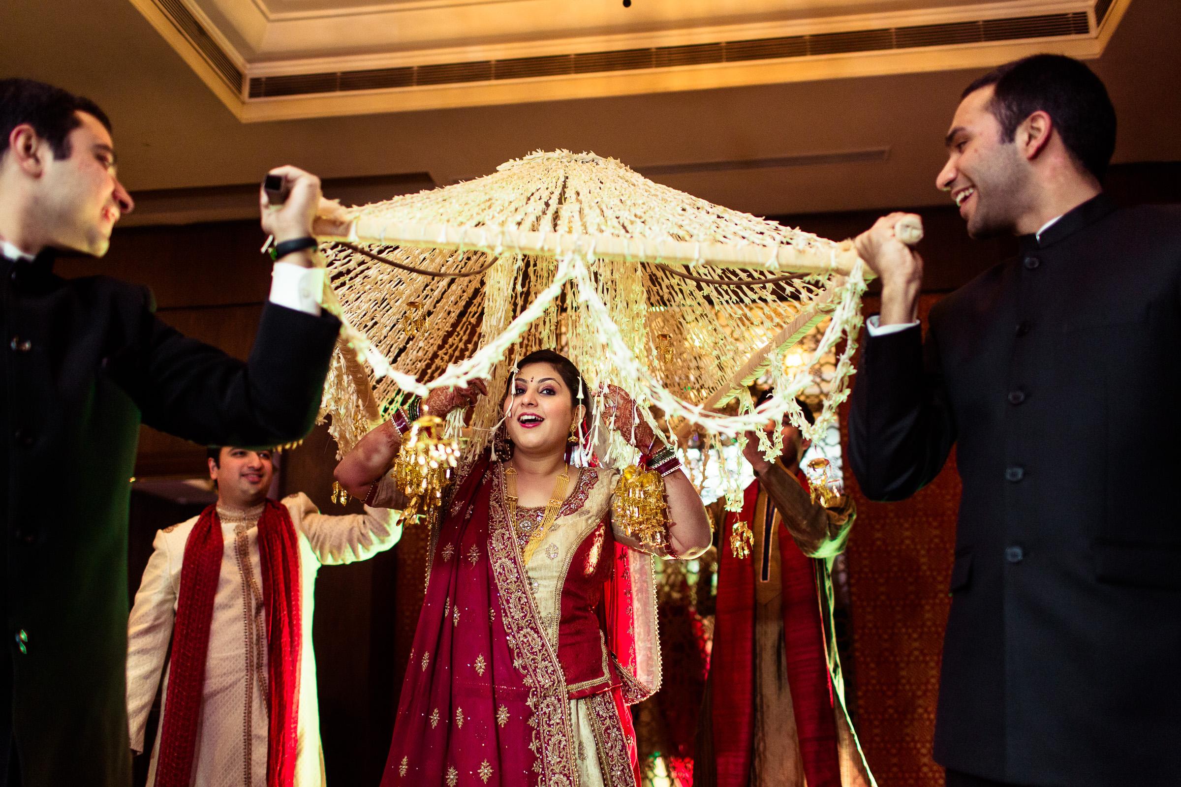 best-candid-wedding-photographer-delhi-0049.jpg