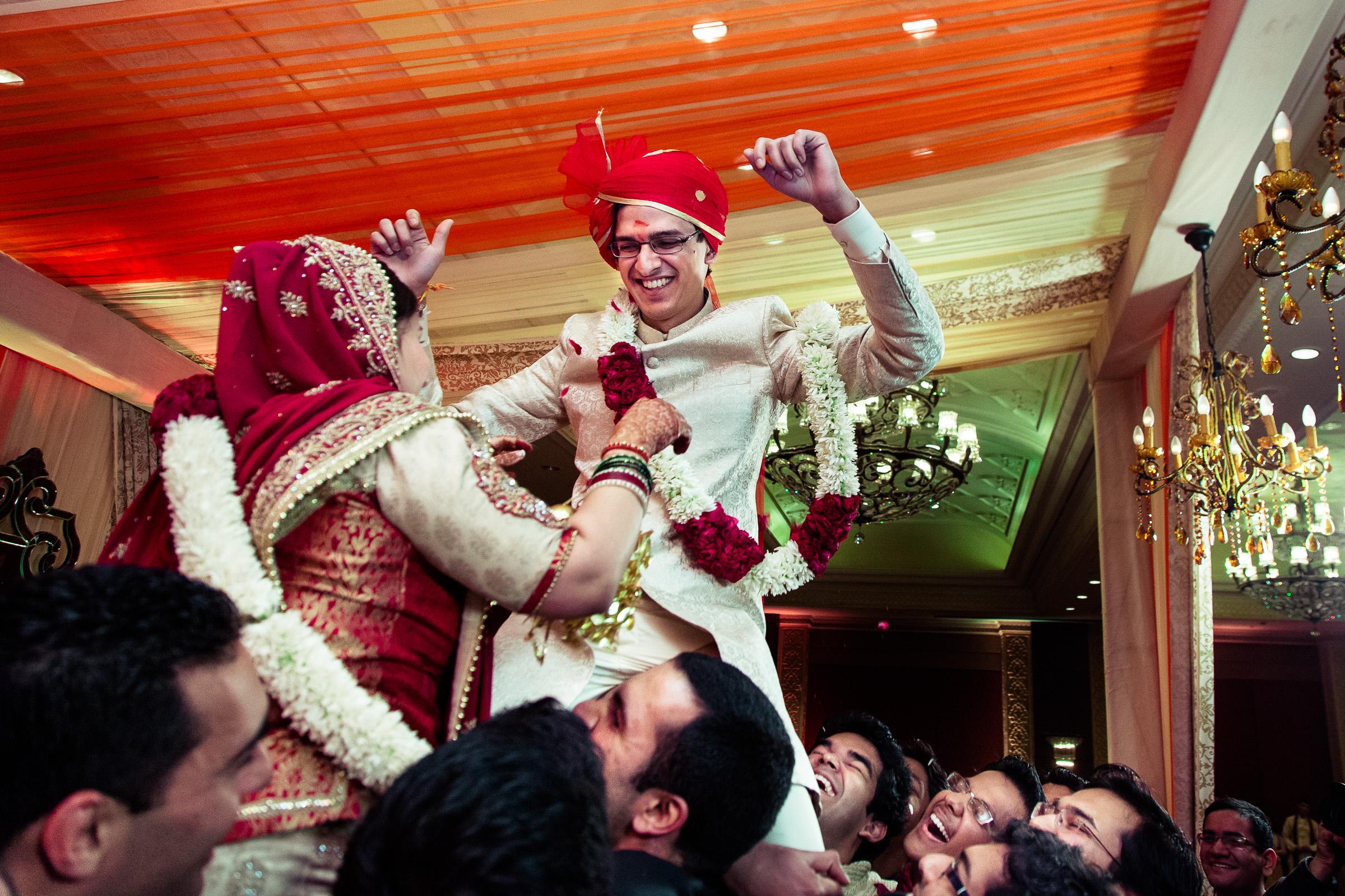 best-candid-wedding-photographer-delhi-0053.jpg