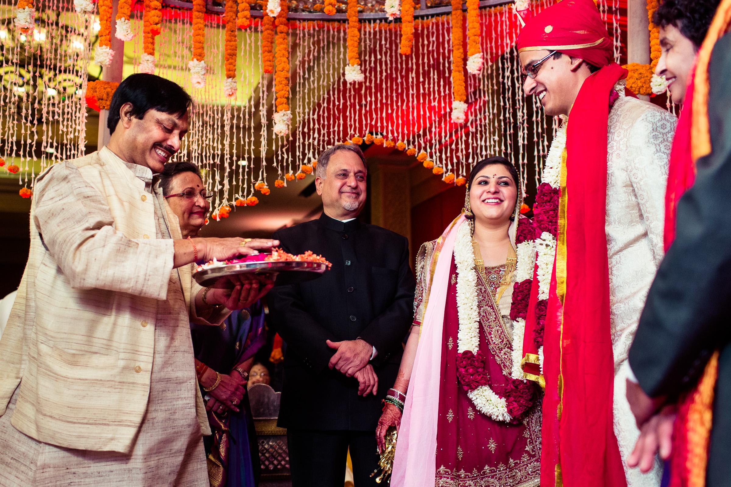 best-candid-wedding-photographer-delhi-0056.jpg