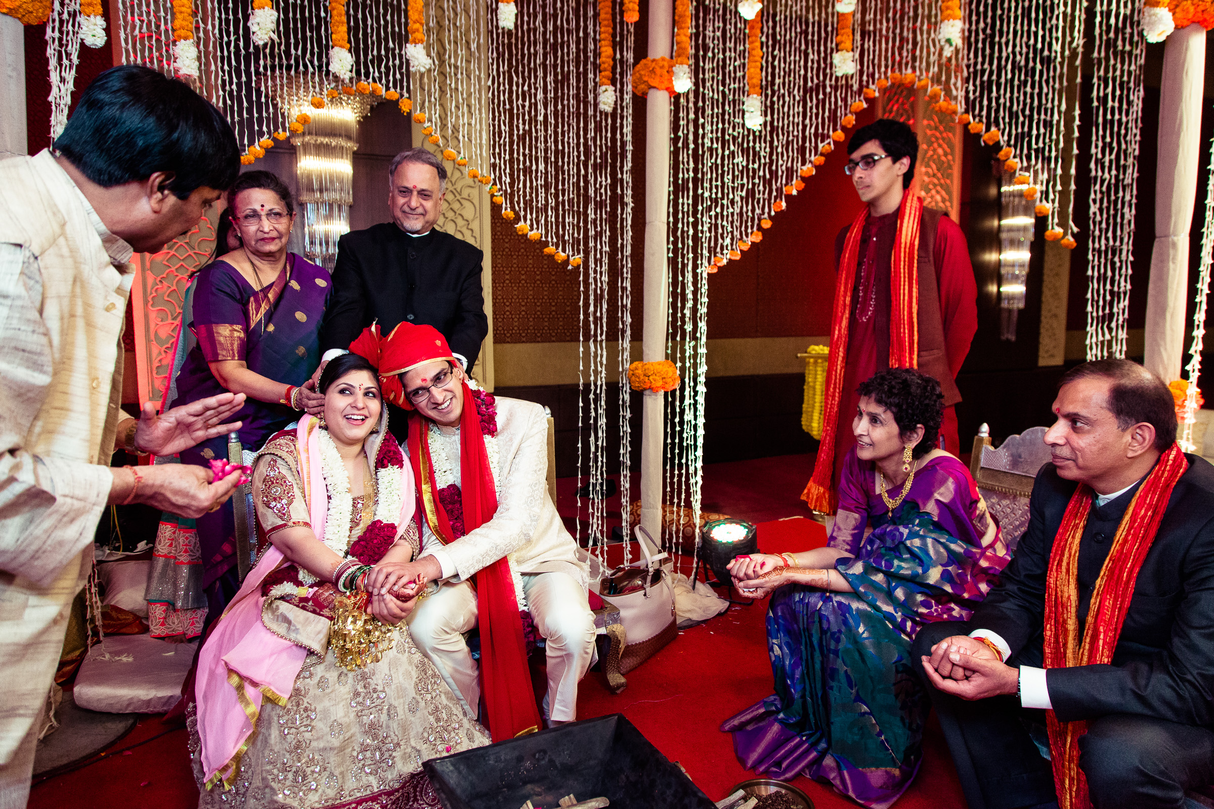 best-candid-wedding-photographer-delhi-0059.jpg
