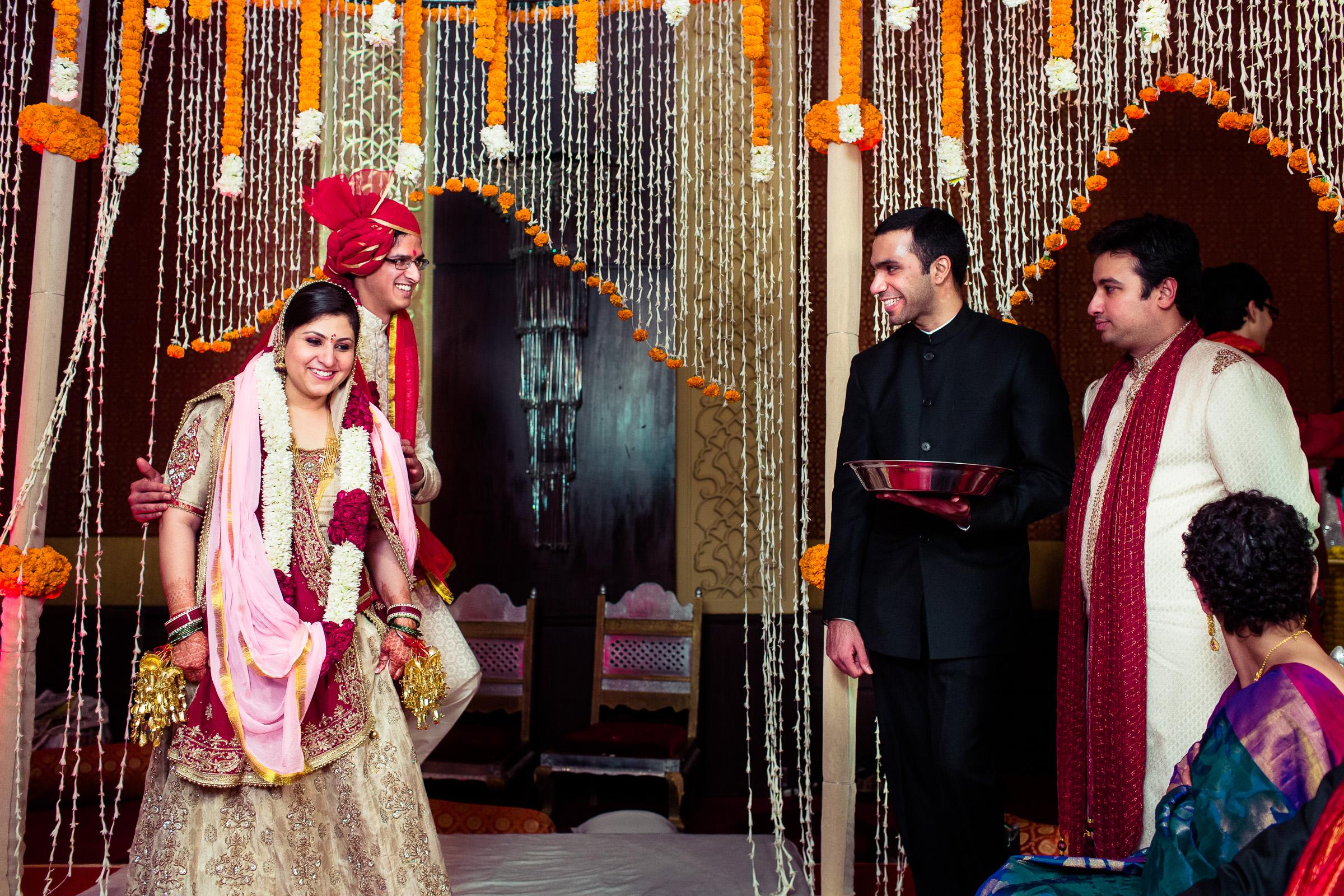 best-candid-wedding-photographer-delhi-0065.jpg