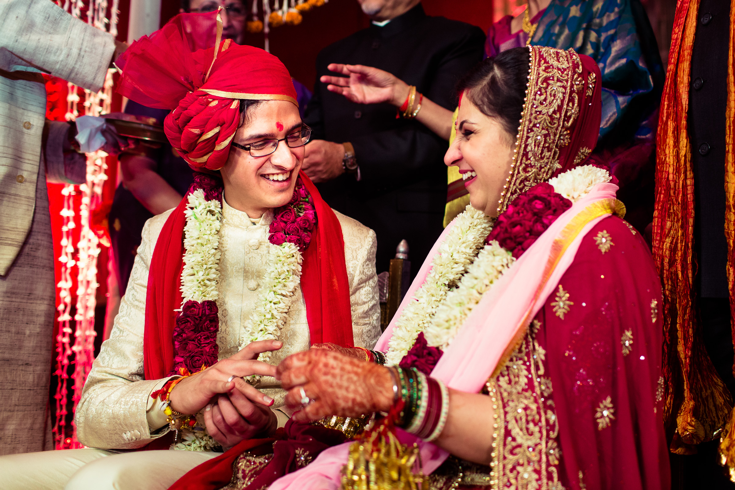best-candid-wedding-photographer-delhi-0067.jpg