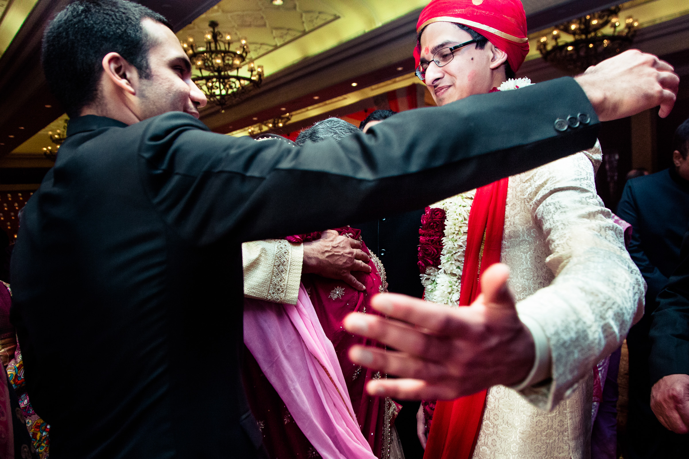 best-candid-wedding-photographer-delhi-0071.jpg