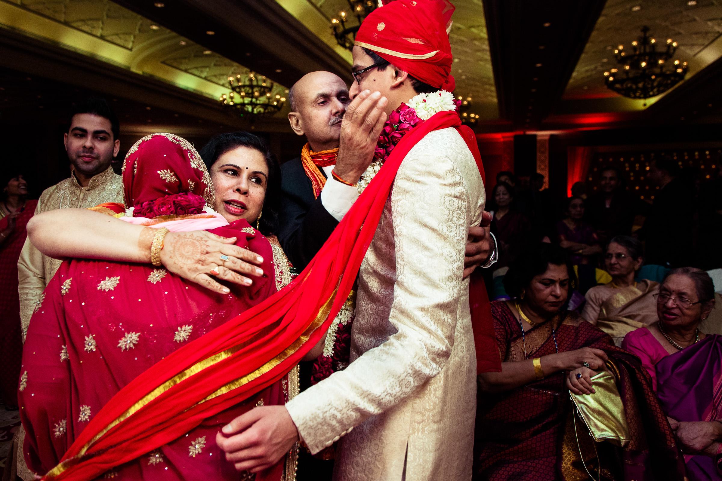 best-candid-wedding-photographer-delhi-0072.jpg