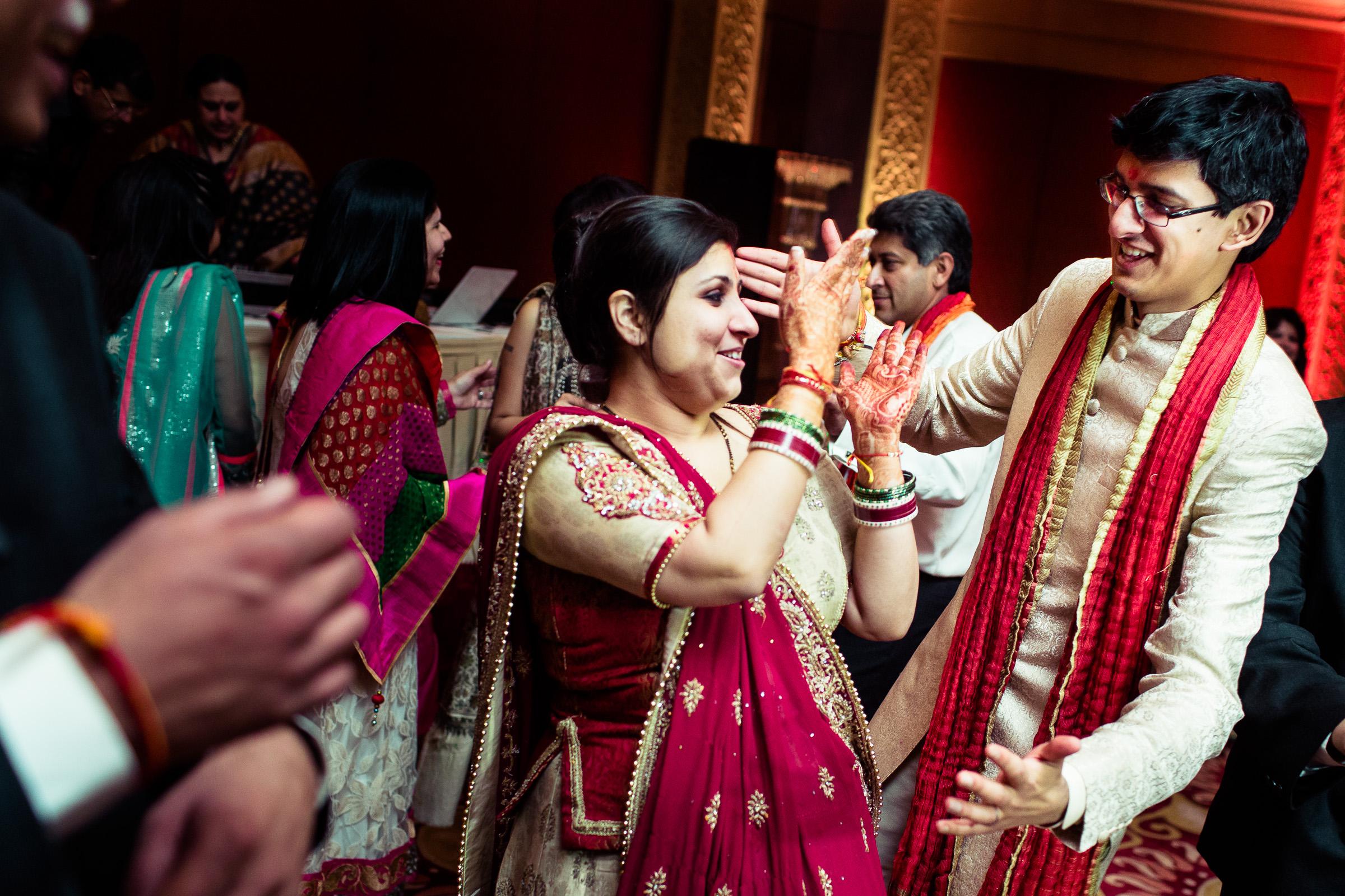 best-candid-wedding-photographer-delhi-0075.jpg