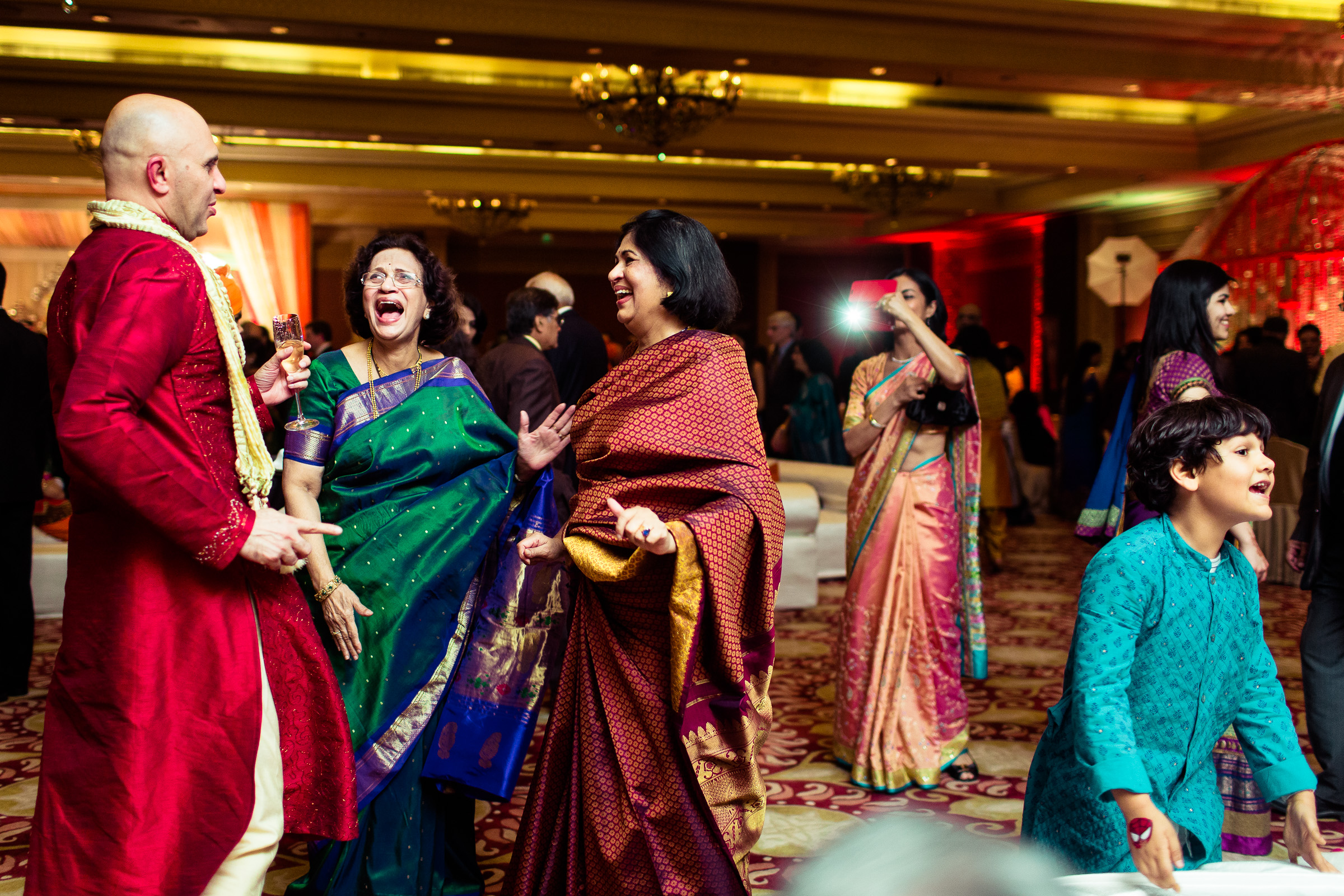 best-candid-wedding-photographer-delhi-0076.jpg