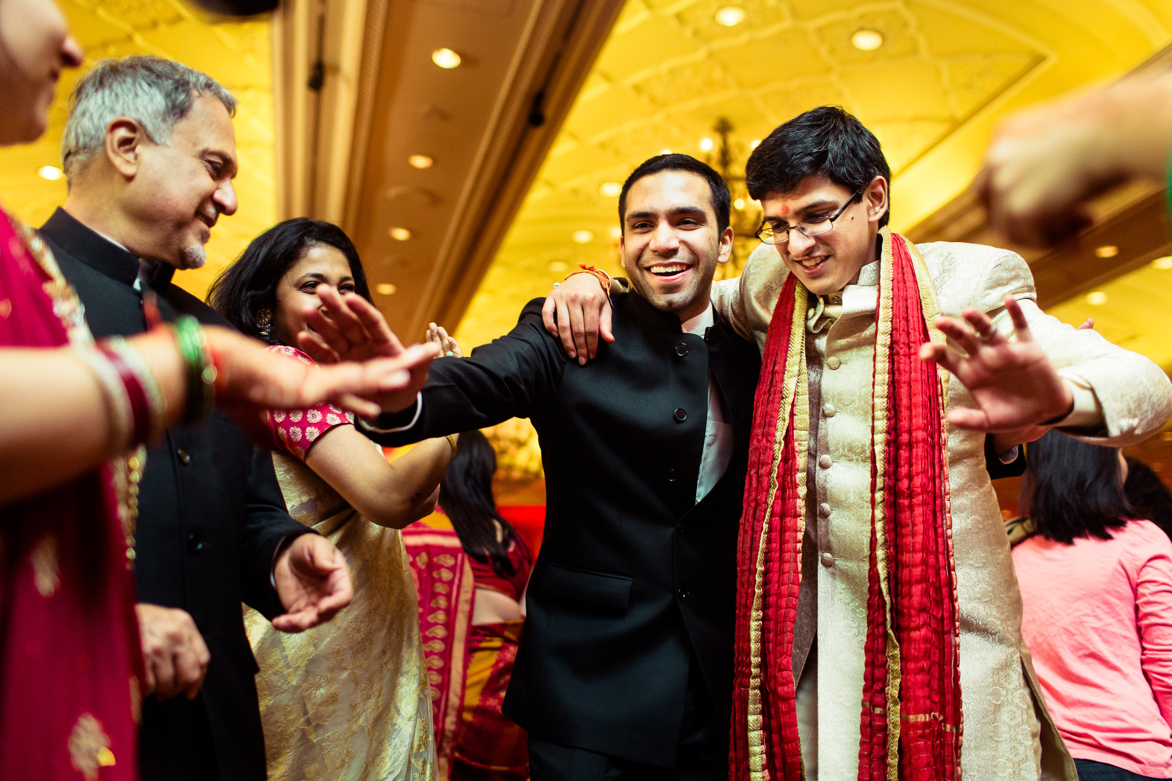 best-candid-wedding-photographer-delhi-0084.jpg