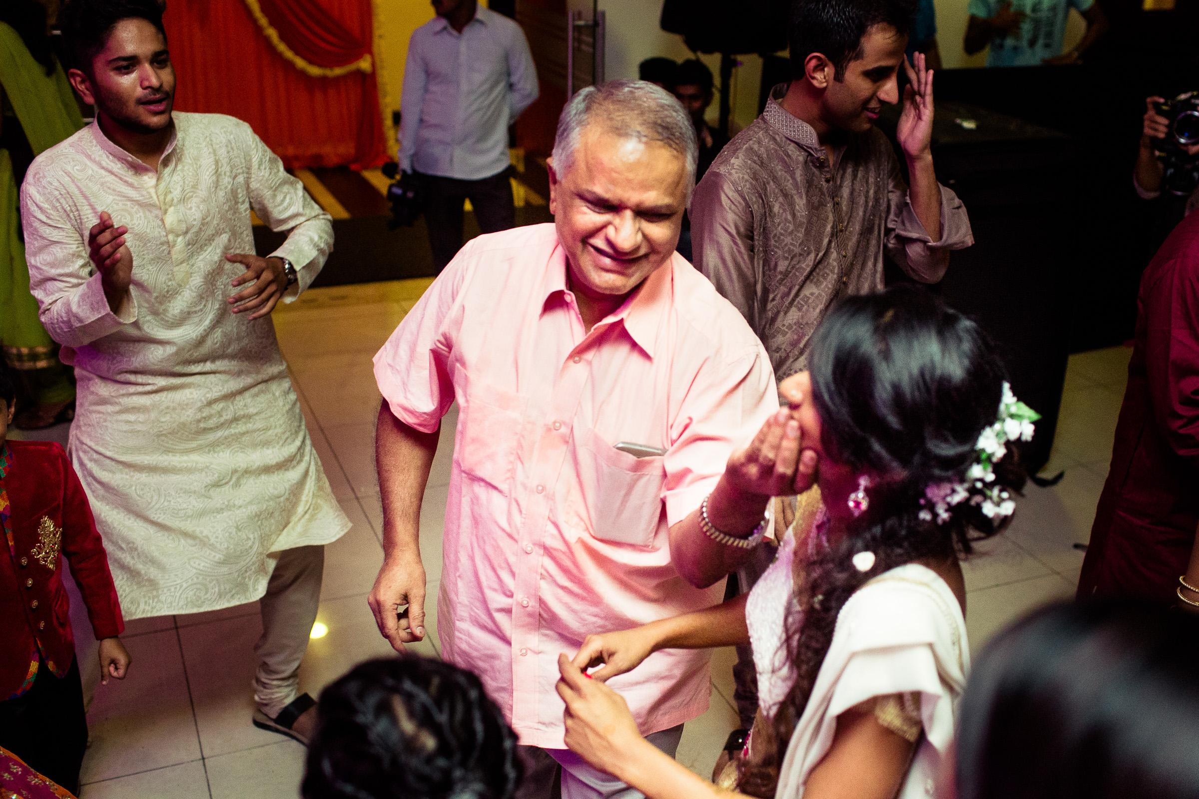 best-candid-wedding-photographers-bangalore-0016.jpg