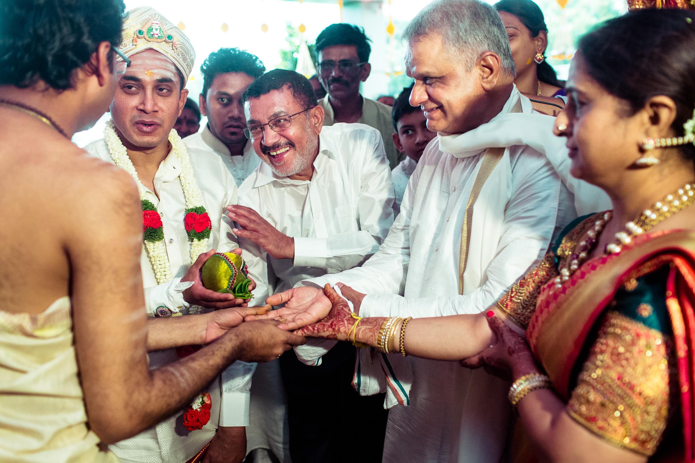 best-candid-wedding-photographers-bangalore-0041.jpg