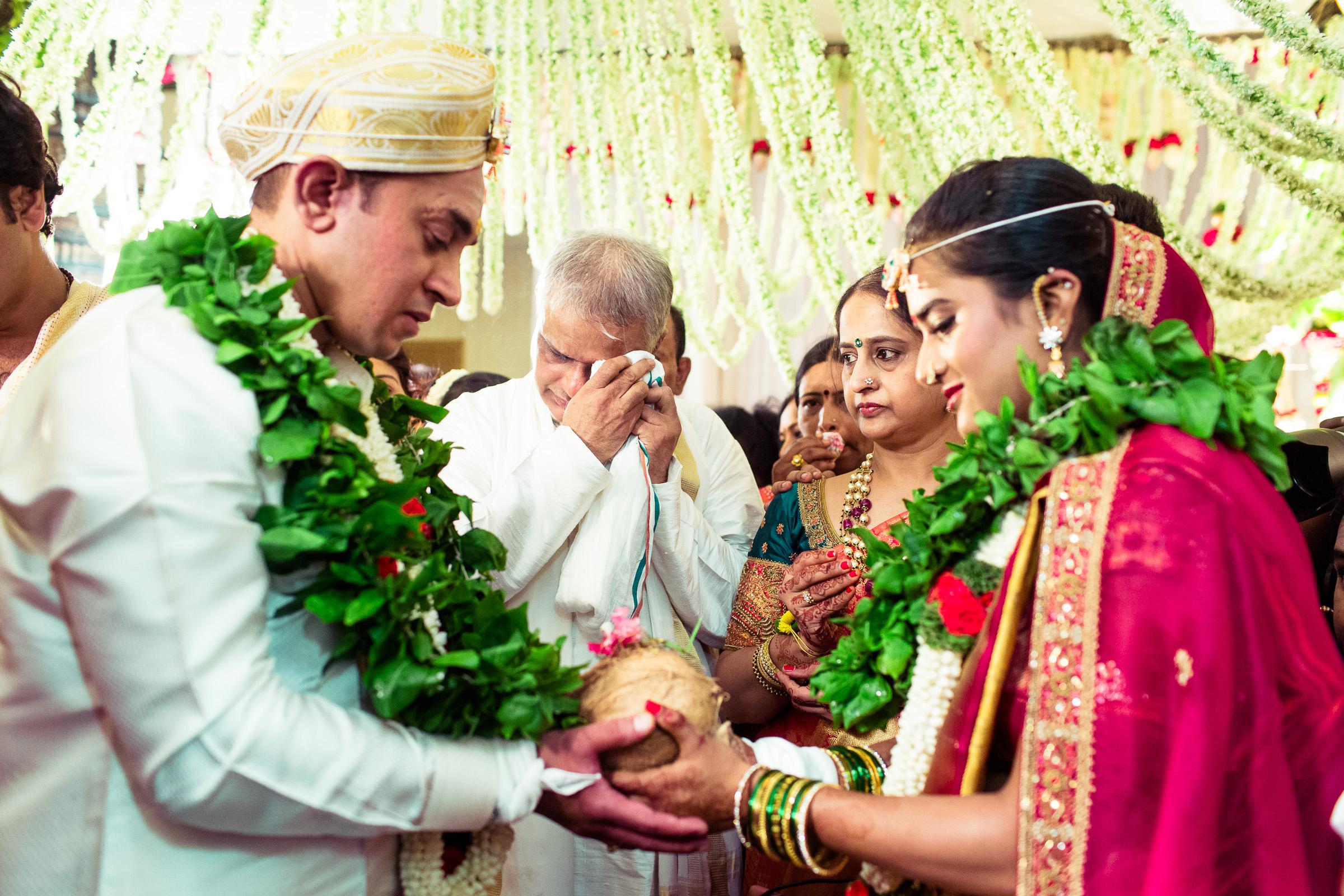 best-candid-wedding-photographers-bangalore-0046.jpg