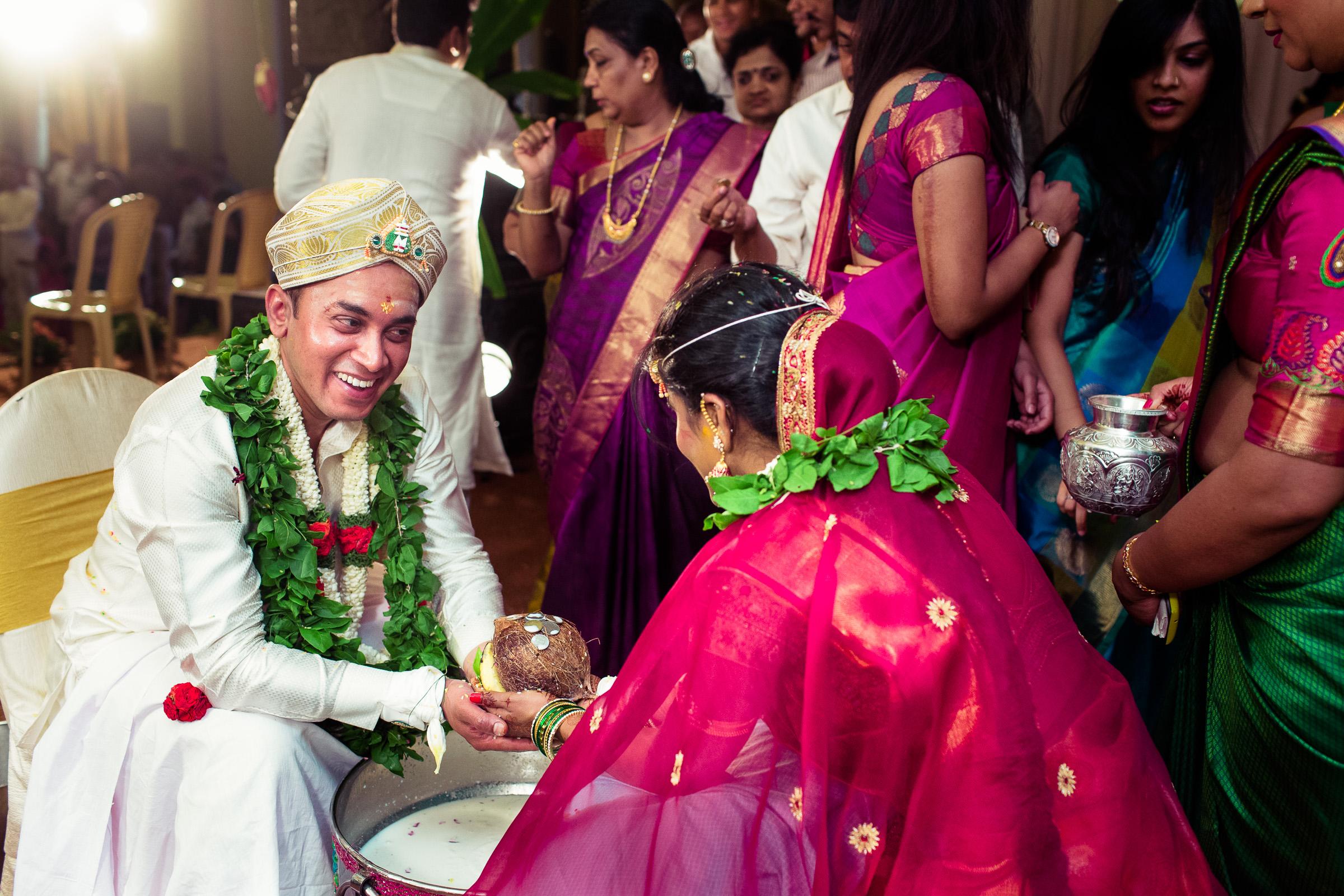 best-candid-wedding-photographers-bangalore-0054.jpg