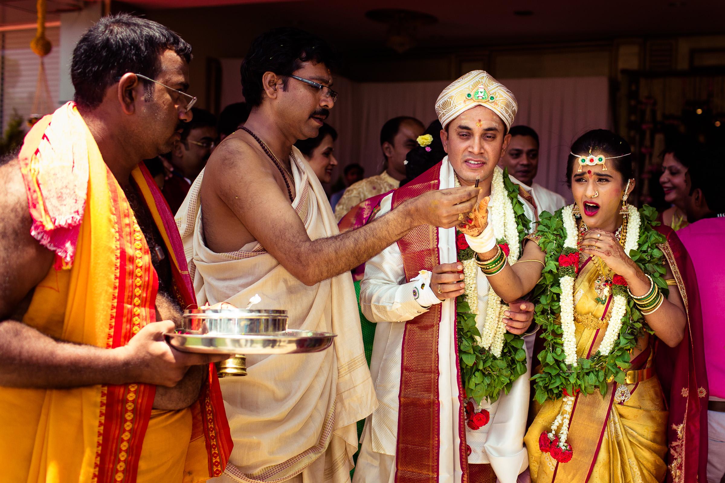 best-candid-wedding-photographers-bangalore-0060.jpg