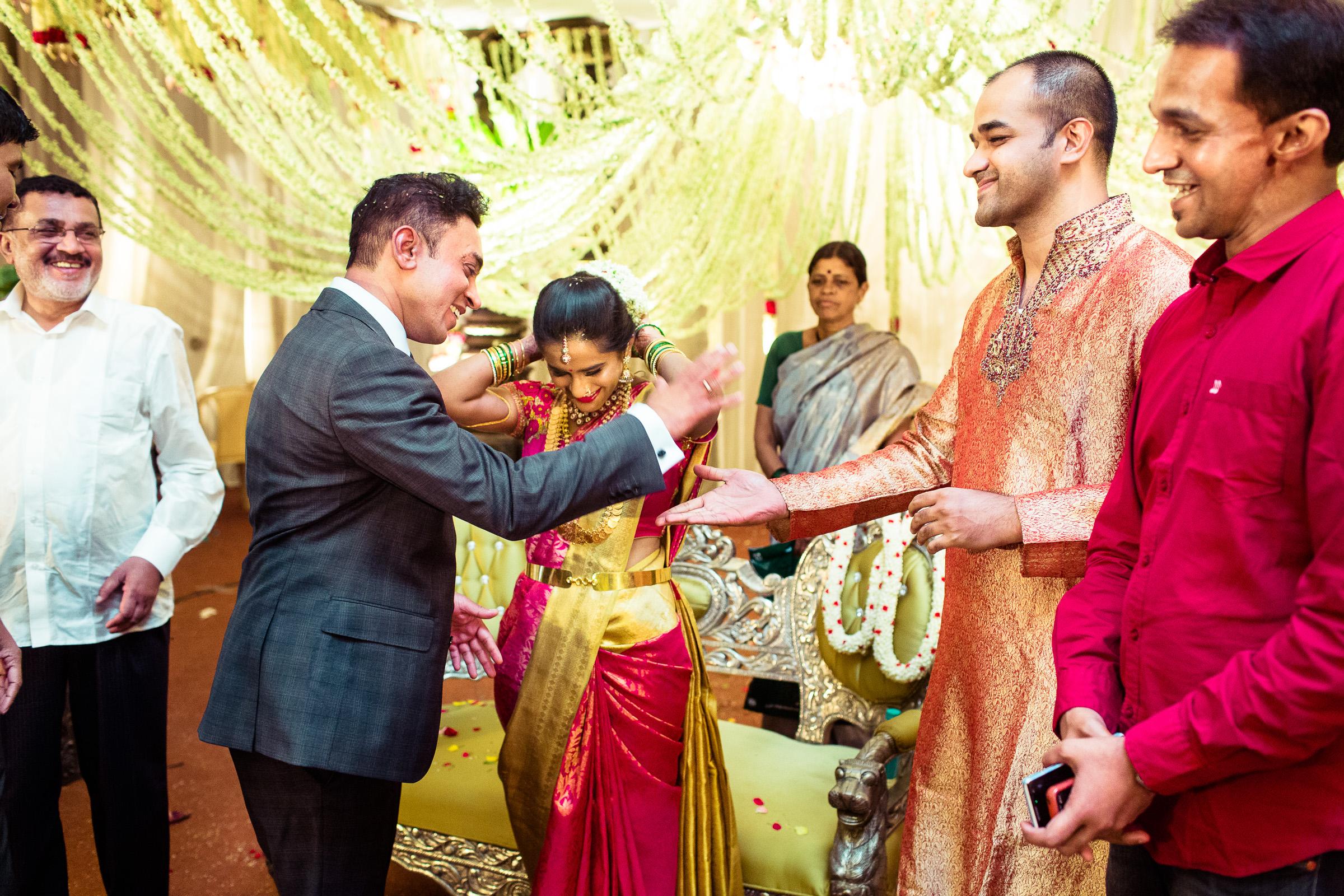 best-candid-wedding-photographers-bangalore-0067.jpg