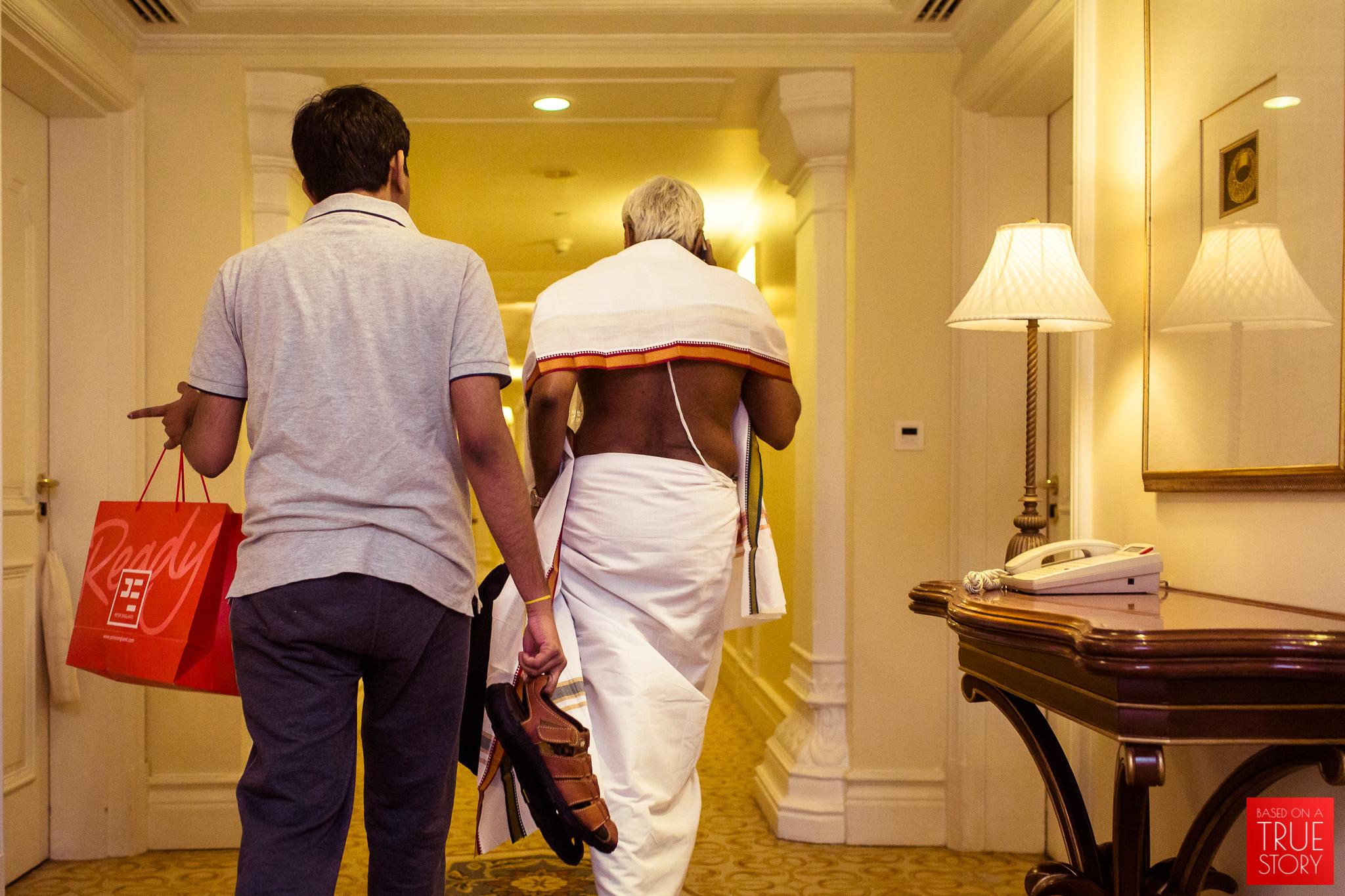 candid-wedding-photographers-bangalore-0006.jpg