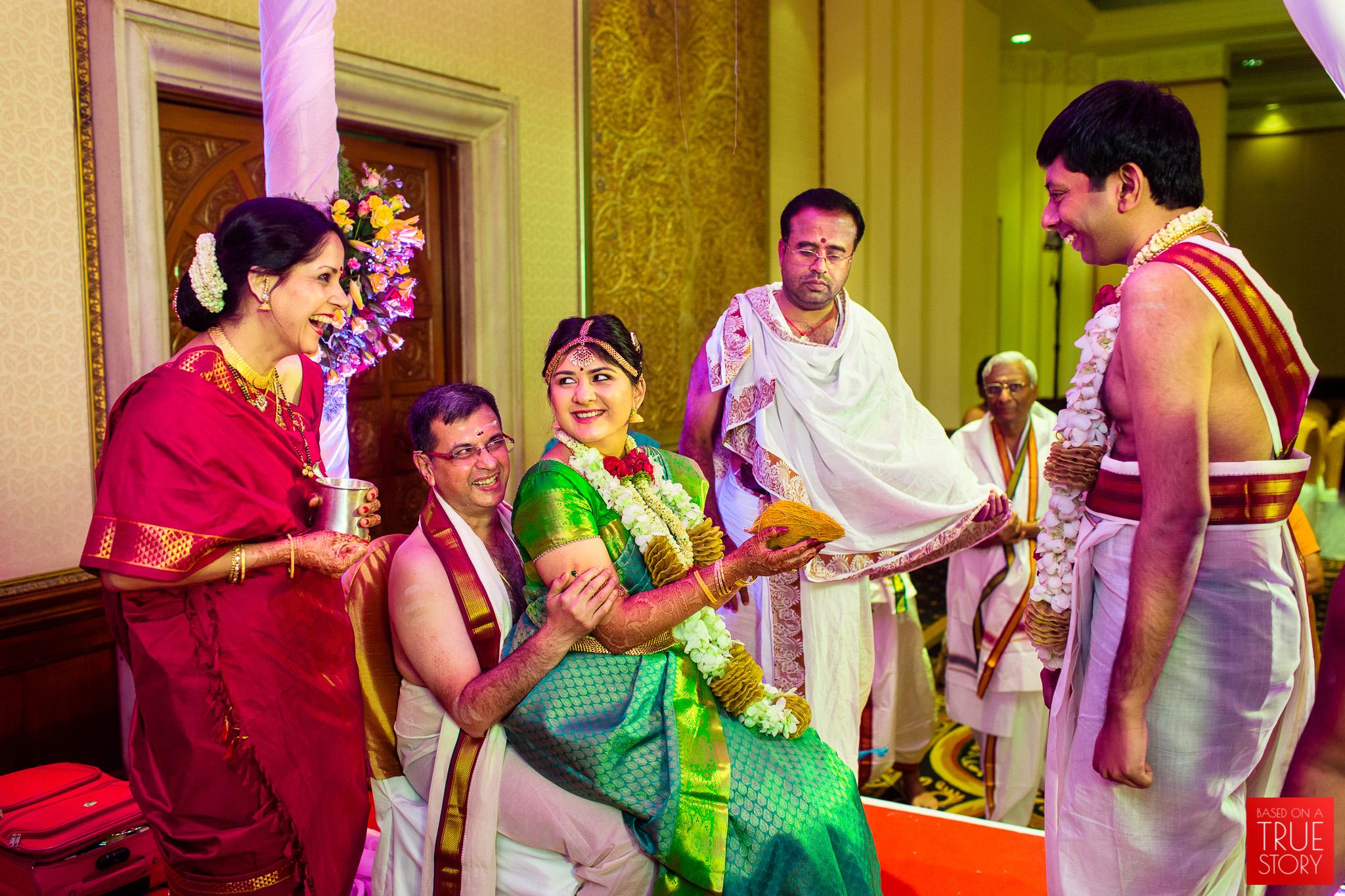 candid-wedding-photographers-bangalore-0033.jpg