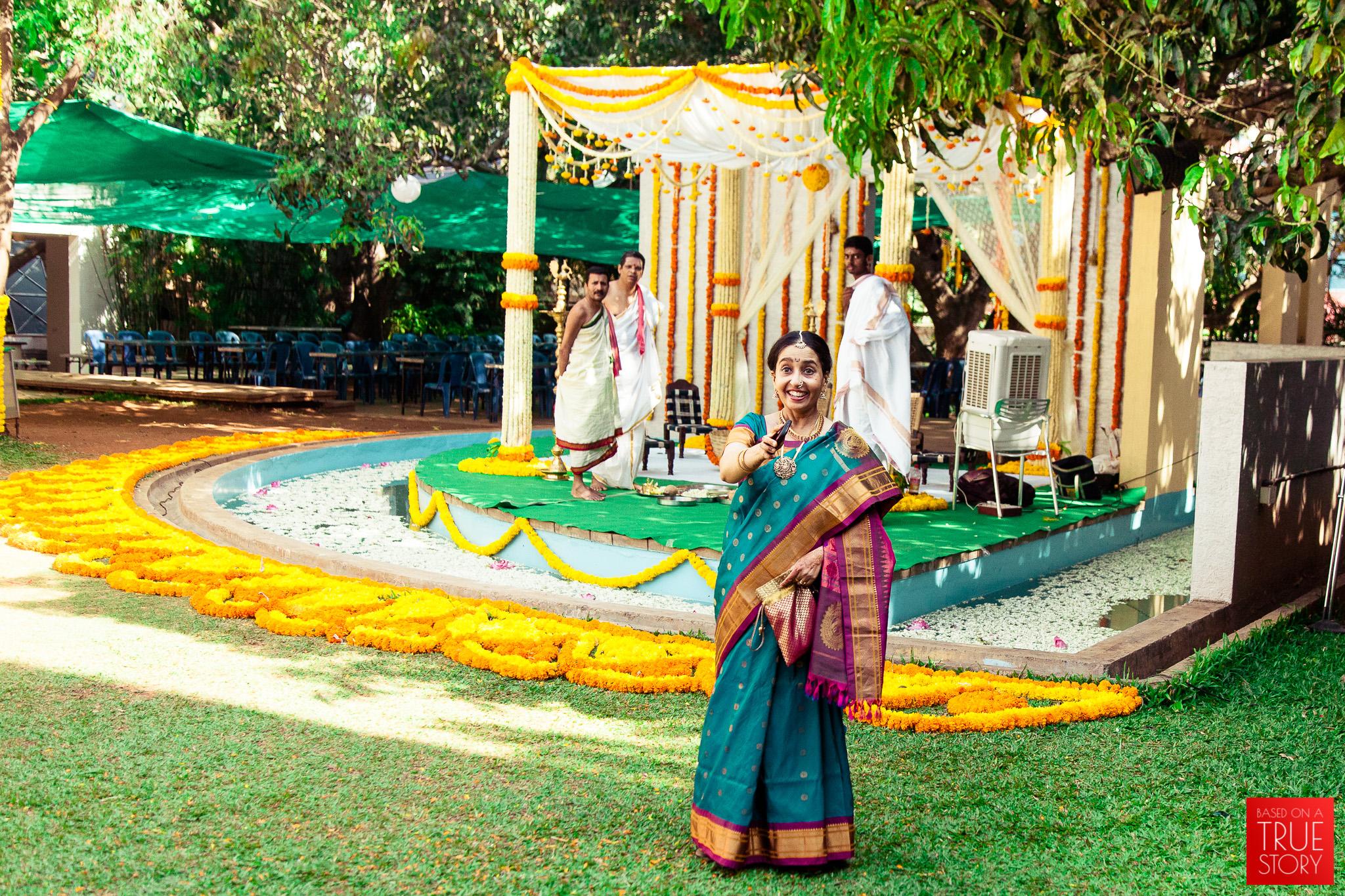 candid-wedding-photographers-bangalore-0039.jpg