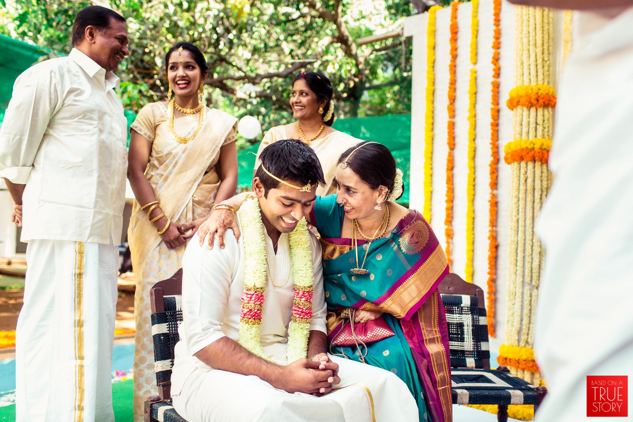 candid-wedding-photographers-bangalore-0042.jpg