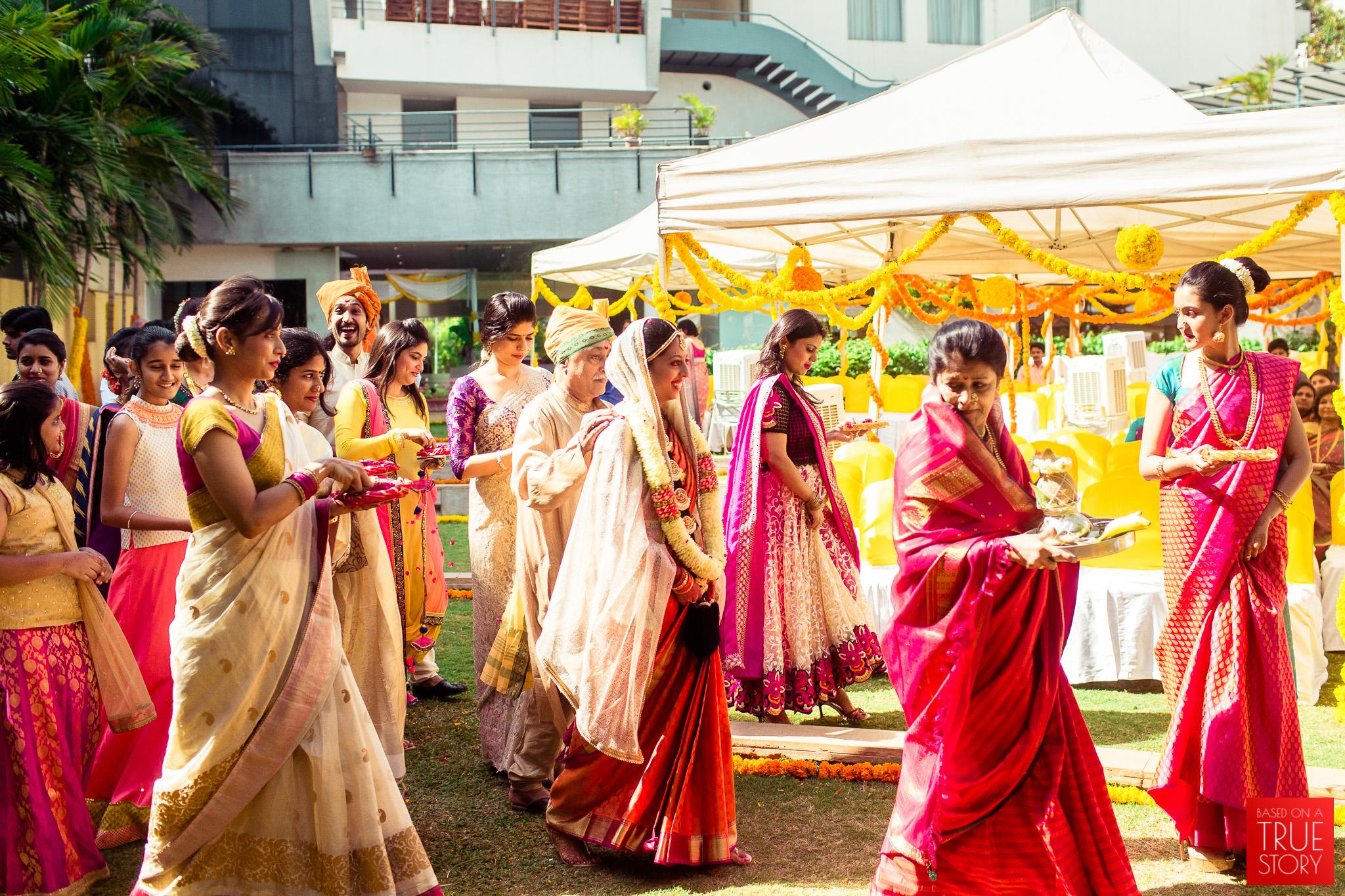 candid-wedding-photographers-bangalore-0043.jpg