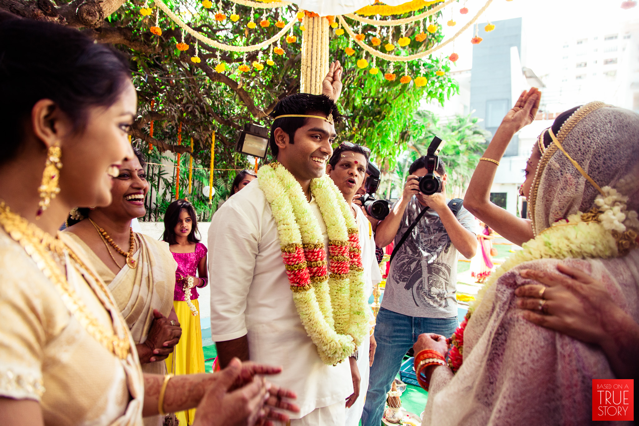 candid-wedding-photographers-bangalore-0053.jpg