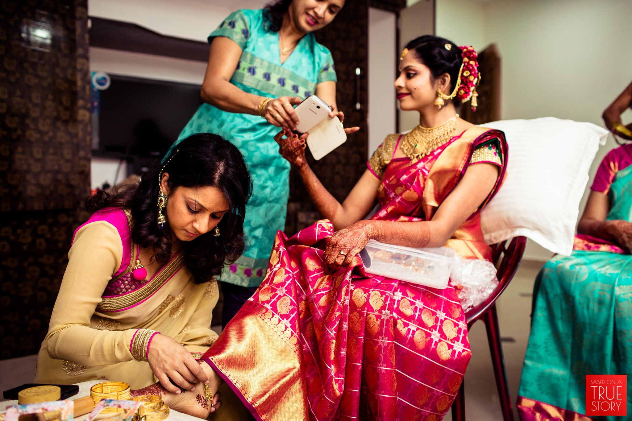 best-candid-wedding-photographers-vizag-0003.jpg