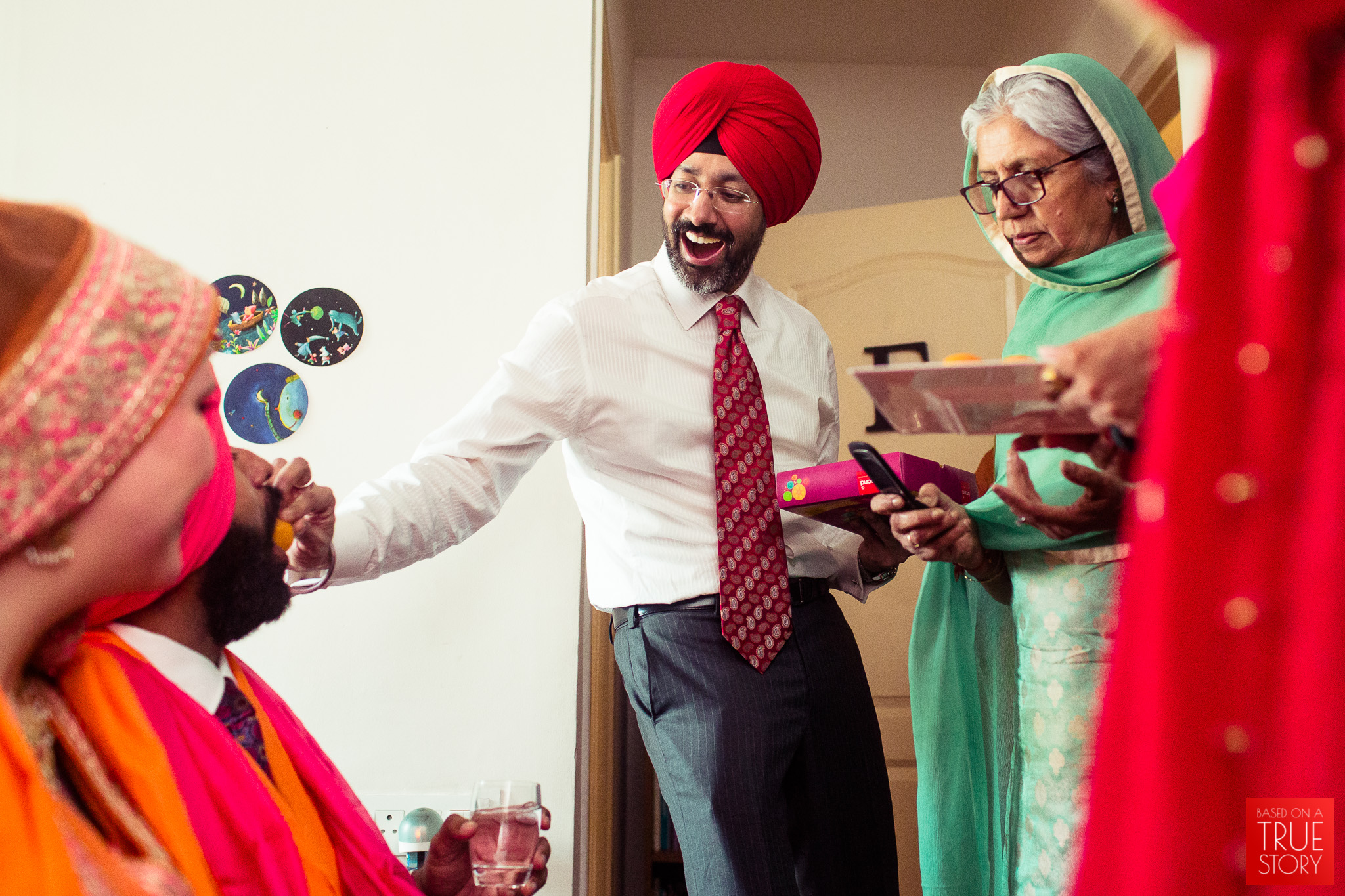 candid-photography-sikh-wedding-bangalore-0029.jpg