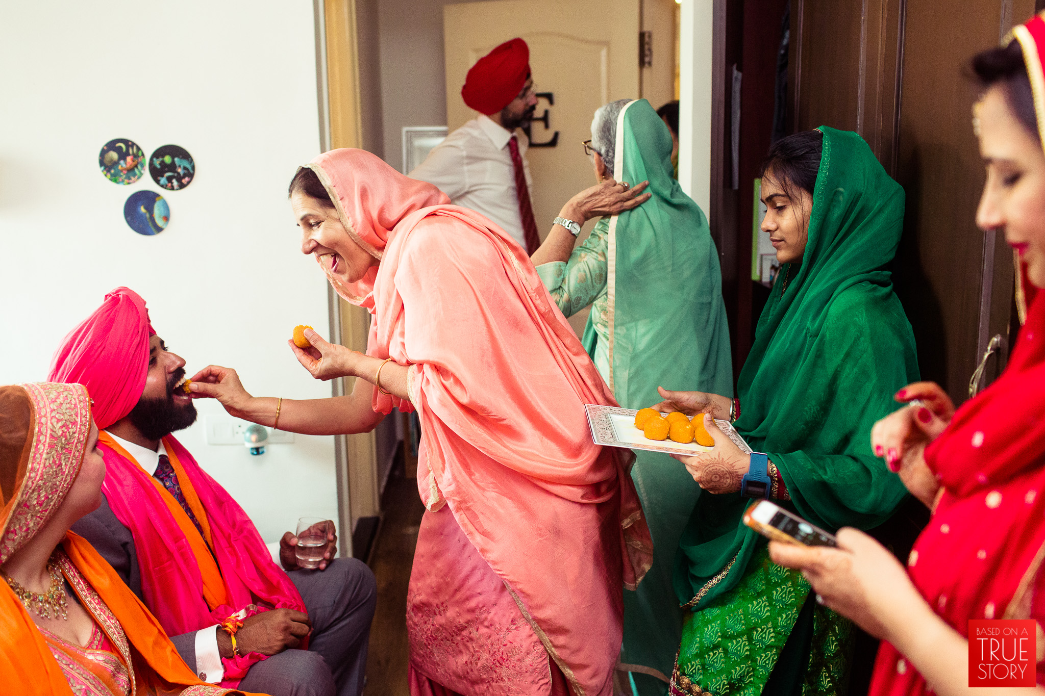 candid-photography-sikh-wedding-bangalore-0030.jpg