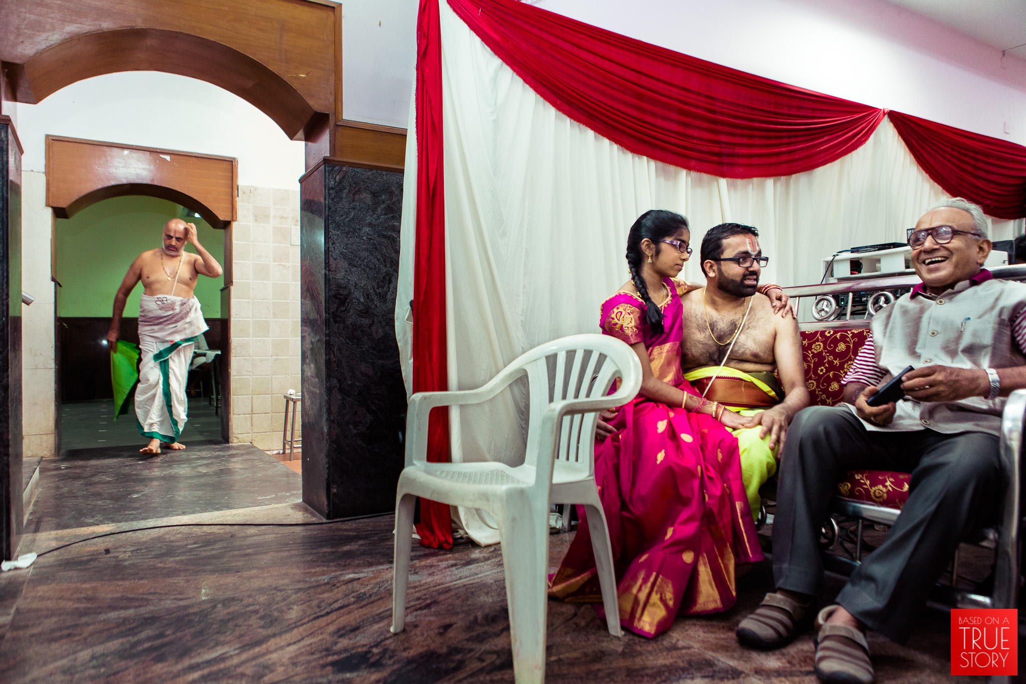 tambrahm-candid-wedding-photographer-bangalore-0008.jpg
