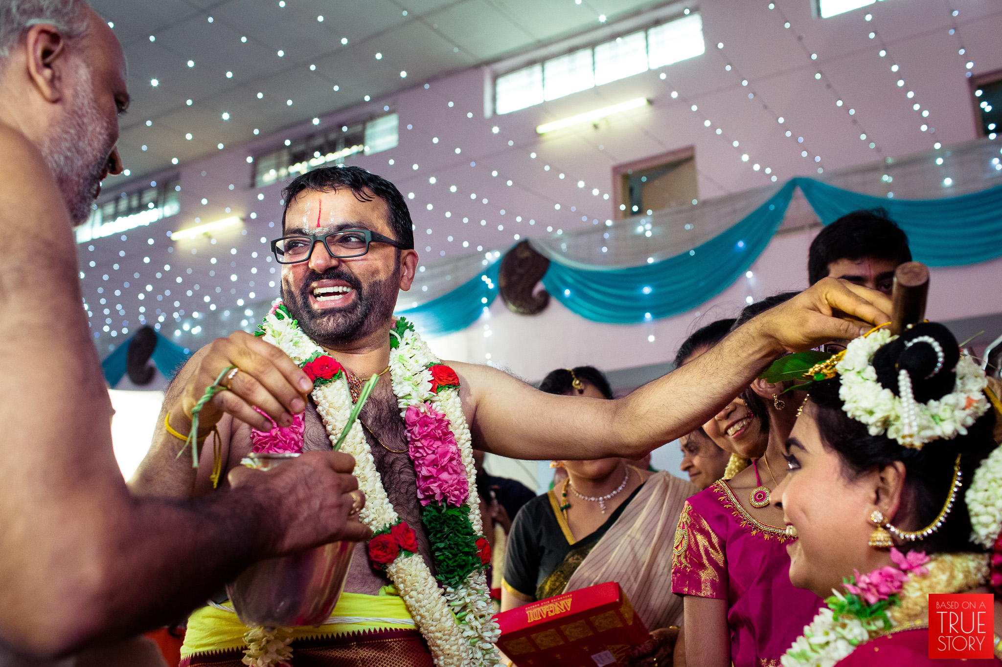 tambrahm-candid-wedding-photographer-bangalore-0038.jpg