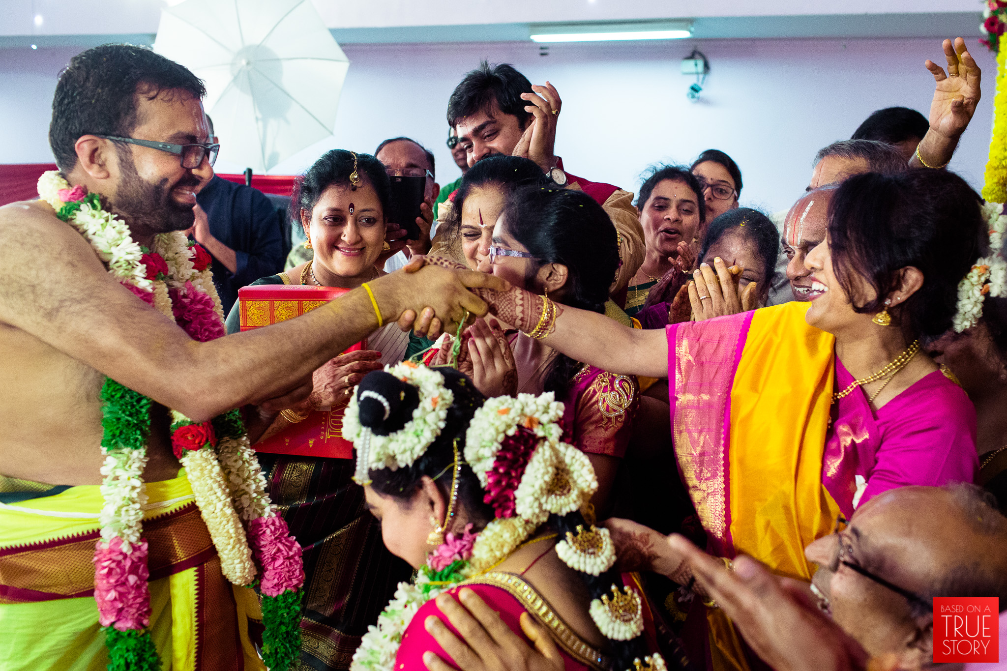 tambrahm-candid-wedding-photographer-bangalore-0041.jpg