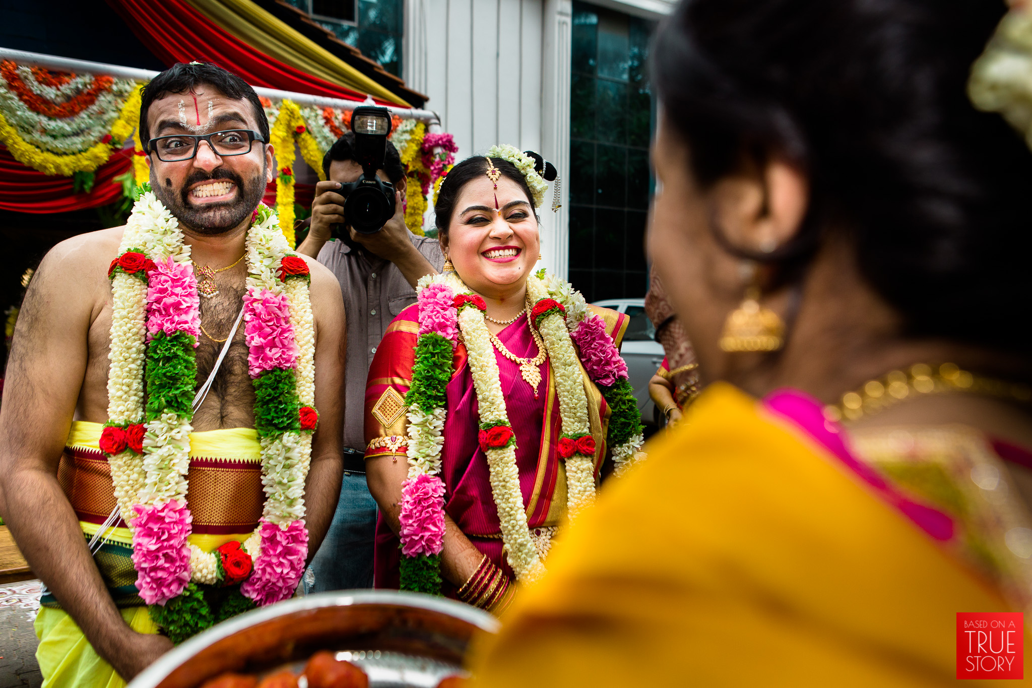 tambrahm-candid-wedding-photographer-bangalore-0024.jpg