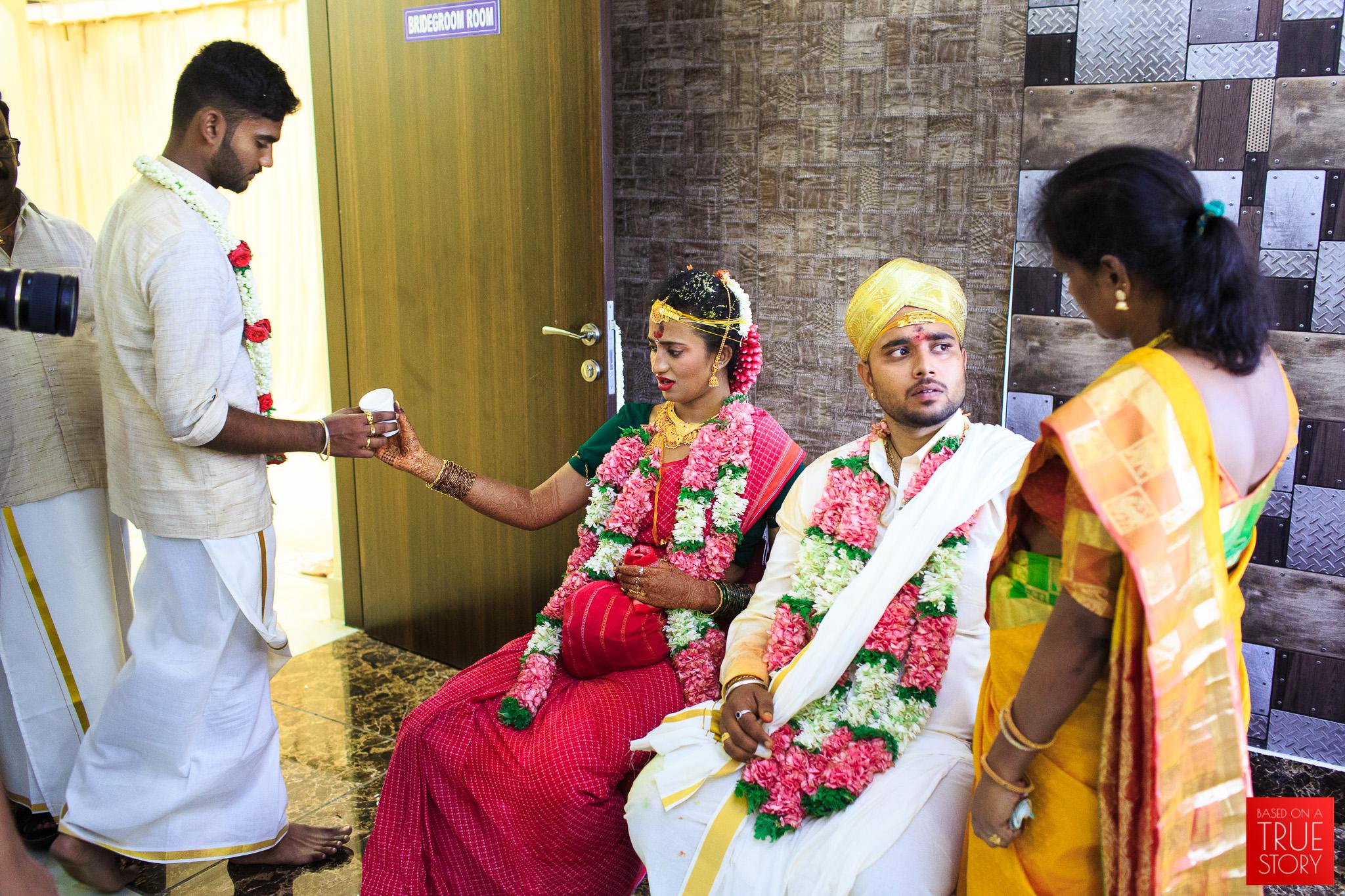 Tamil-Candid-Wedding-Photography-0100.jpg